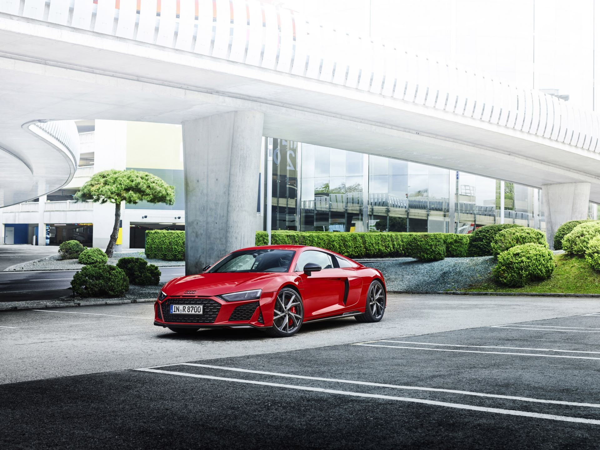 Audi-R8-V10-Performance-RWD-11