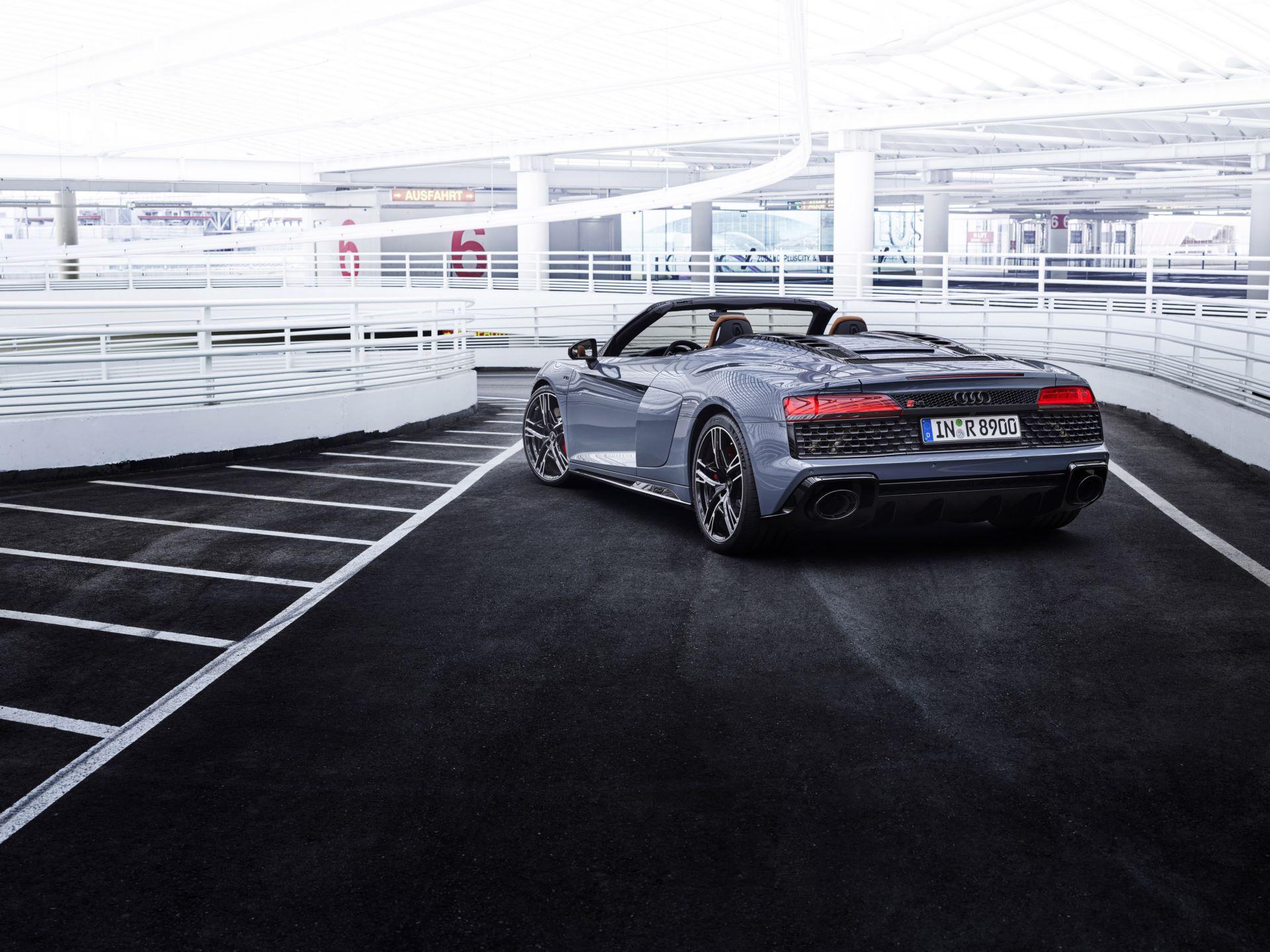Audi-R8-V10-Performance-RWD-14