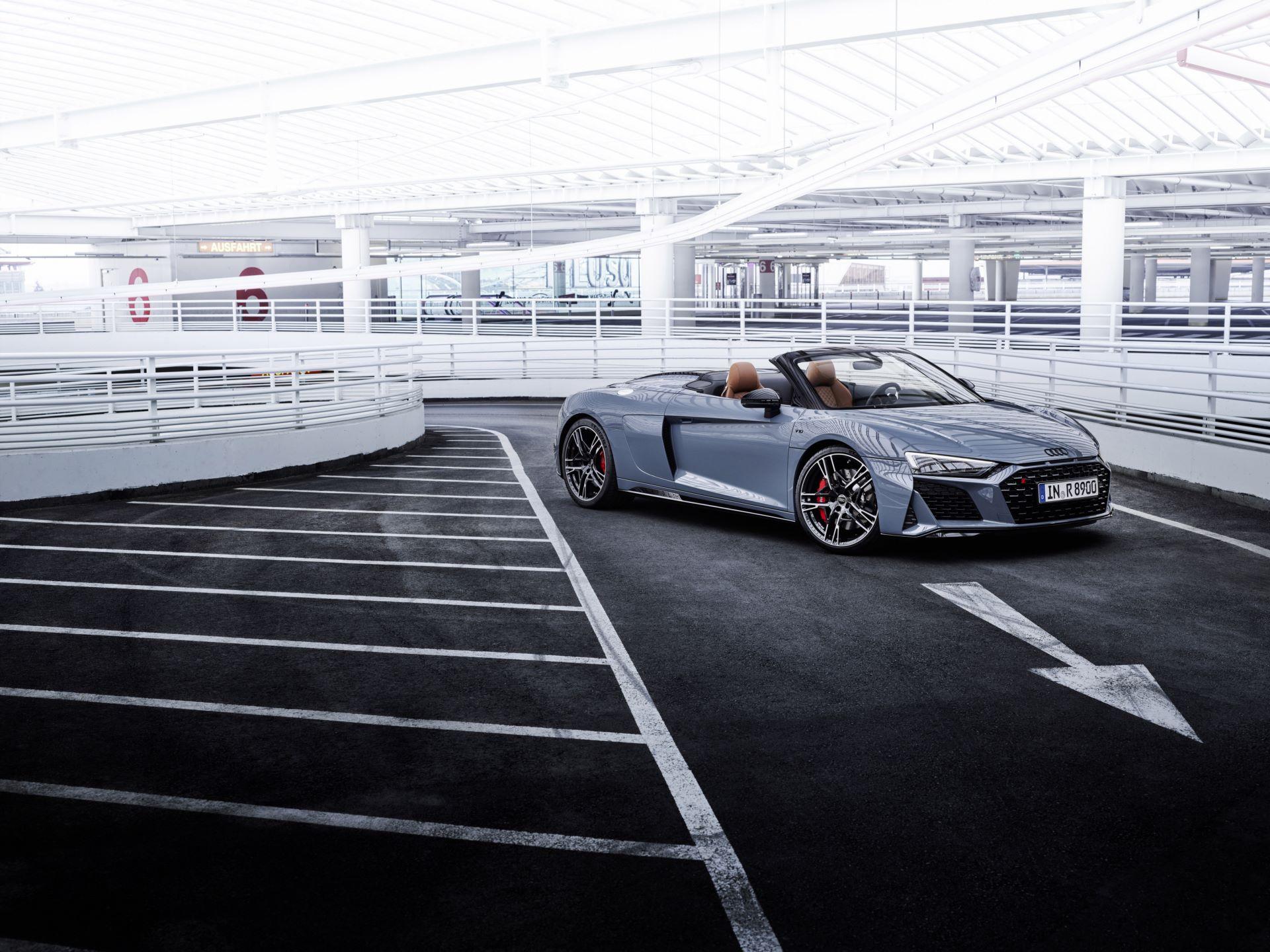 Audi-R8-V10-Performance-RWD-15