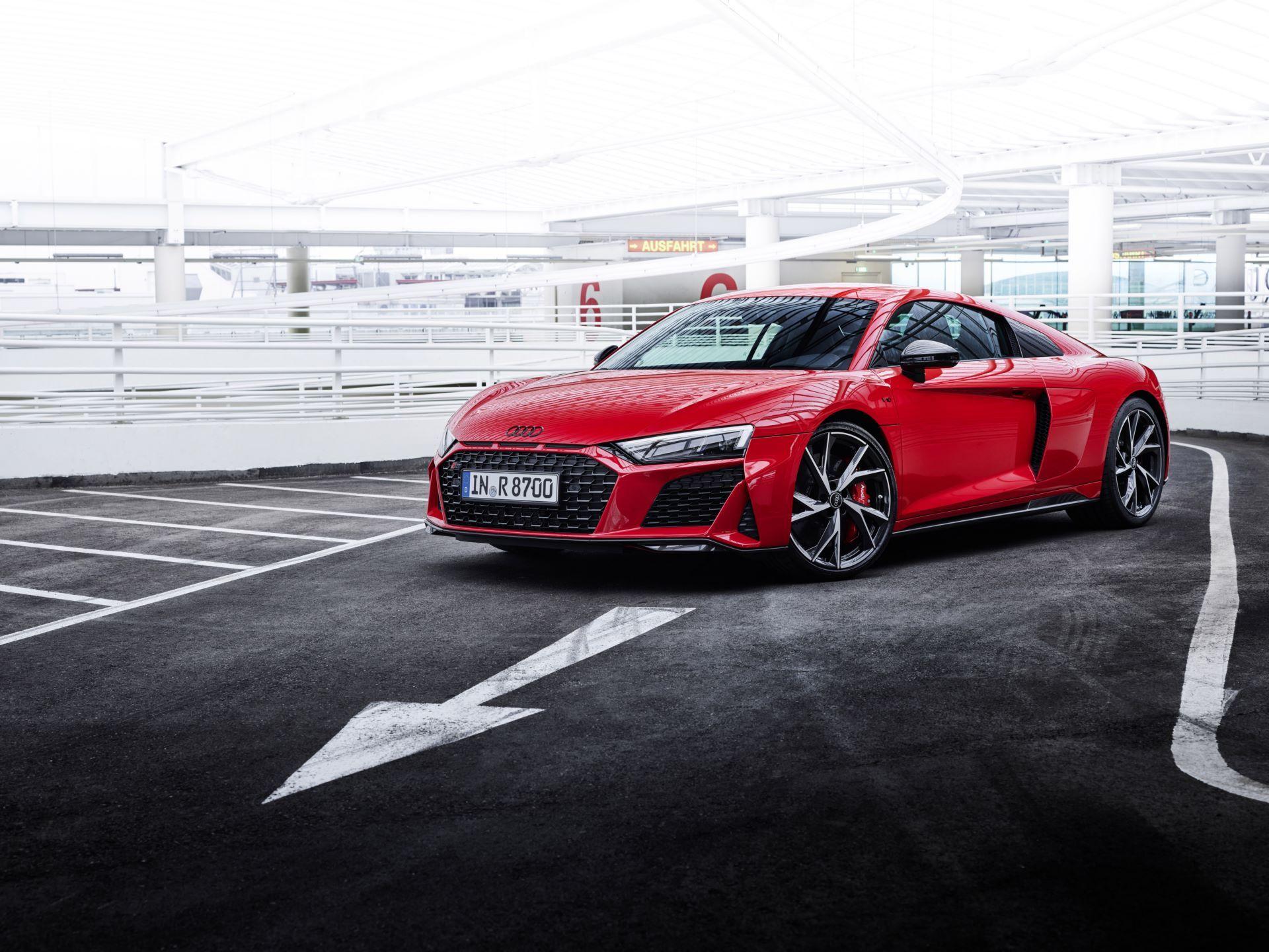 Audi-R8-V10-Performance-RWD-16