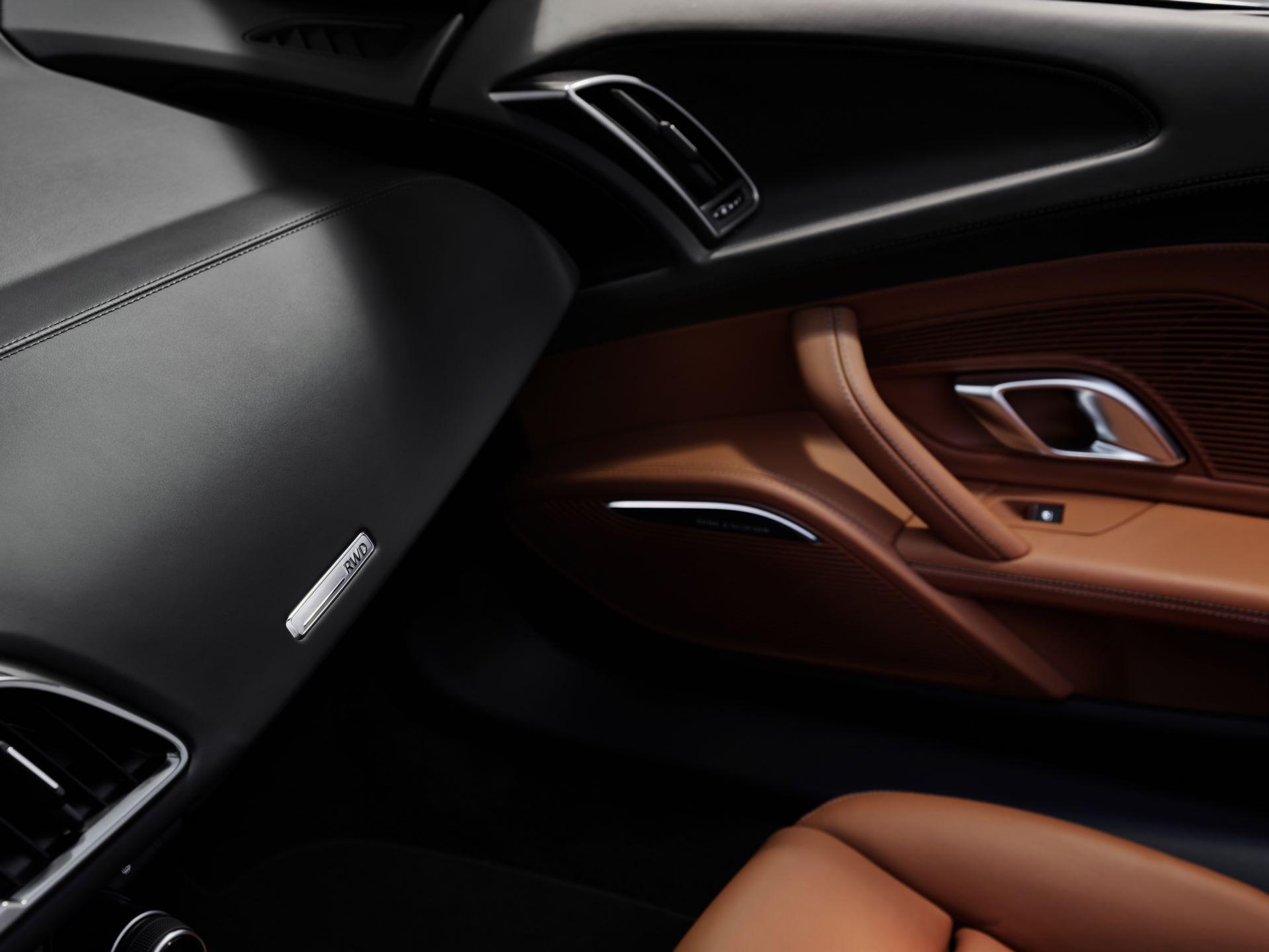 Audi-R8-V10-Performance-RWD-19
