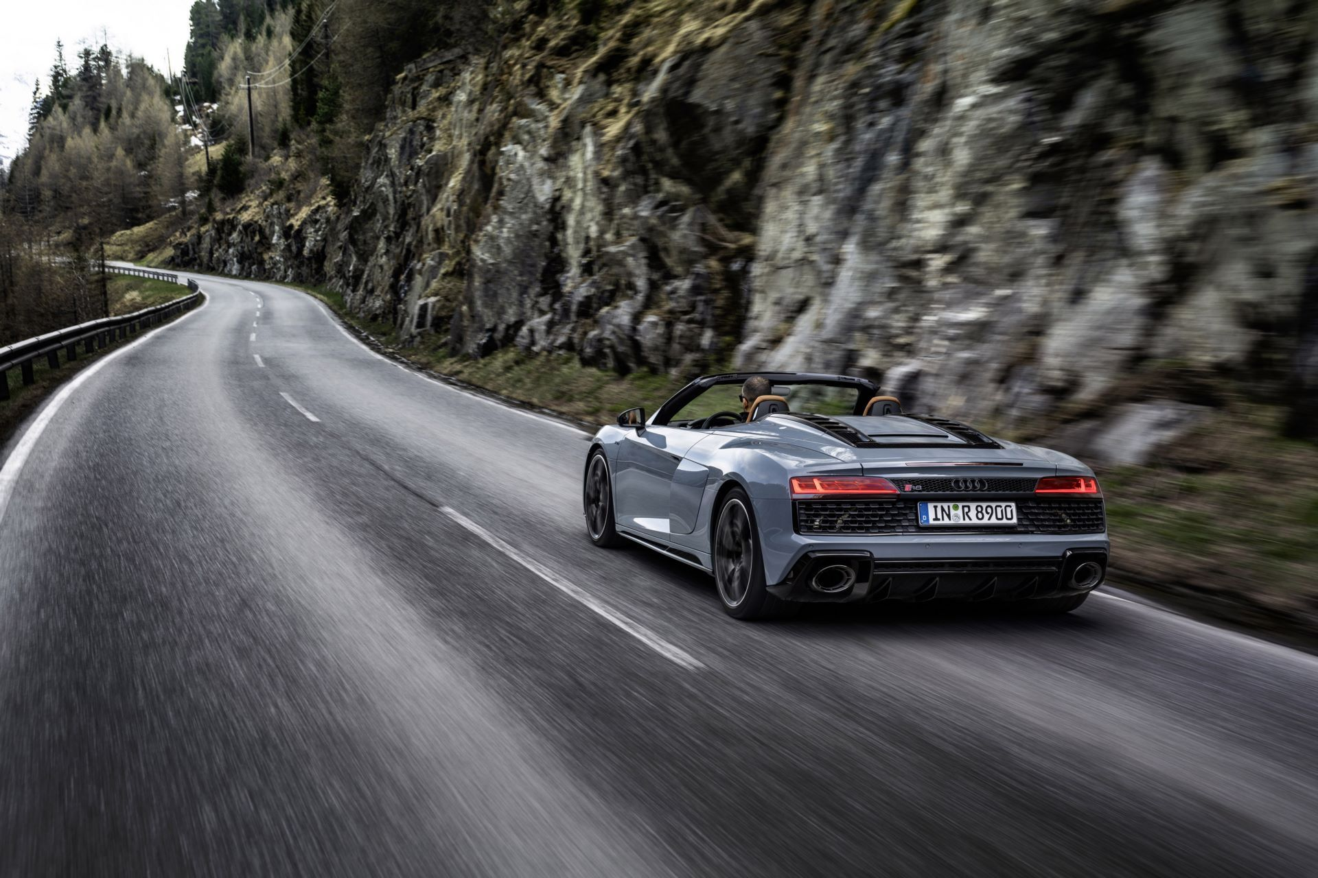 Audi-R8-V10-Performance-RWD-6