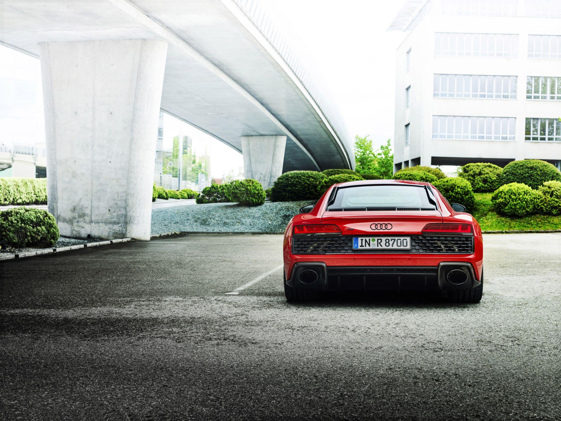 Audi-R8-V10-Performance-RWD-9