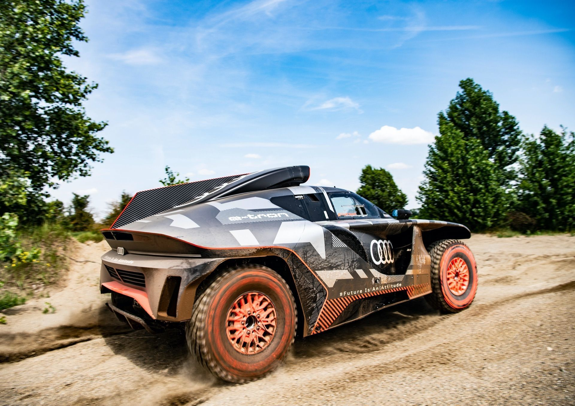 Audi-RS-Q-e-tron-4