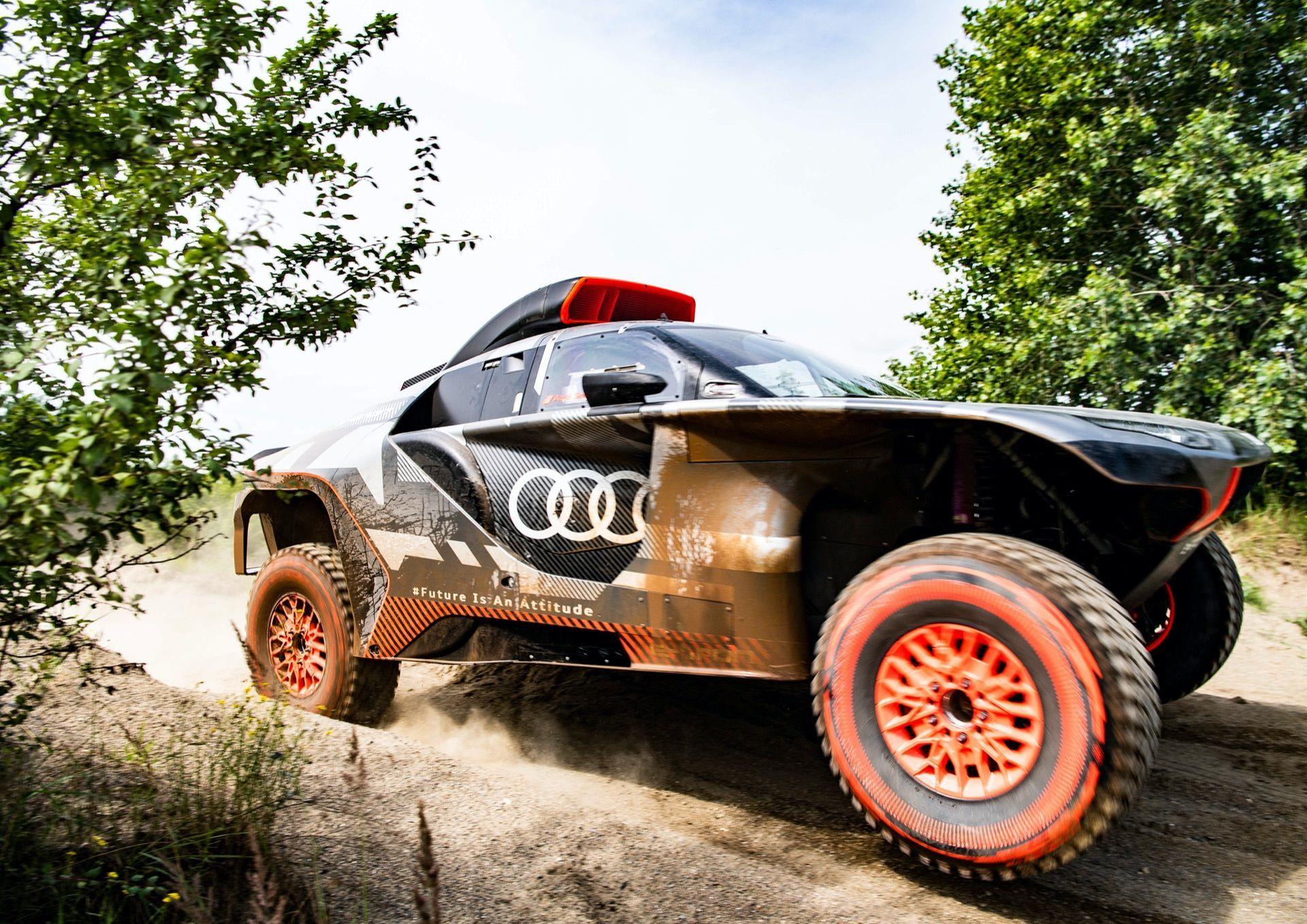 Audi-RS-Q-e-tron-6