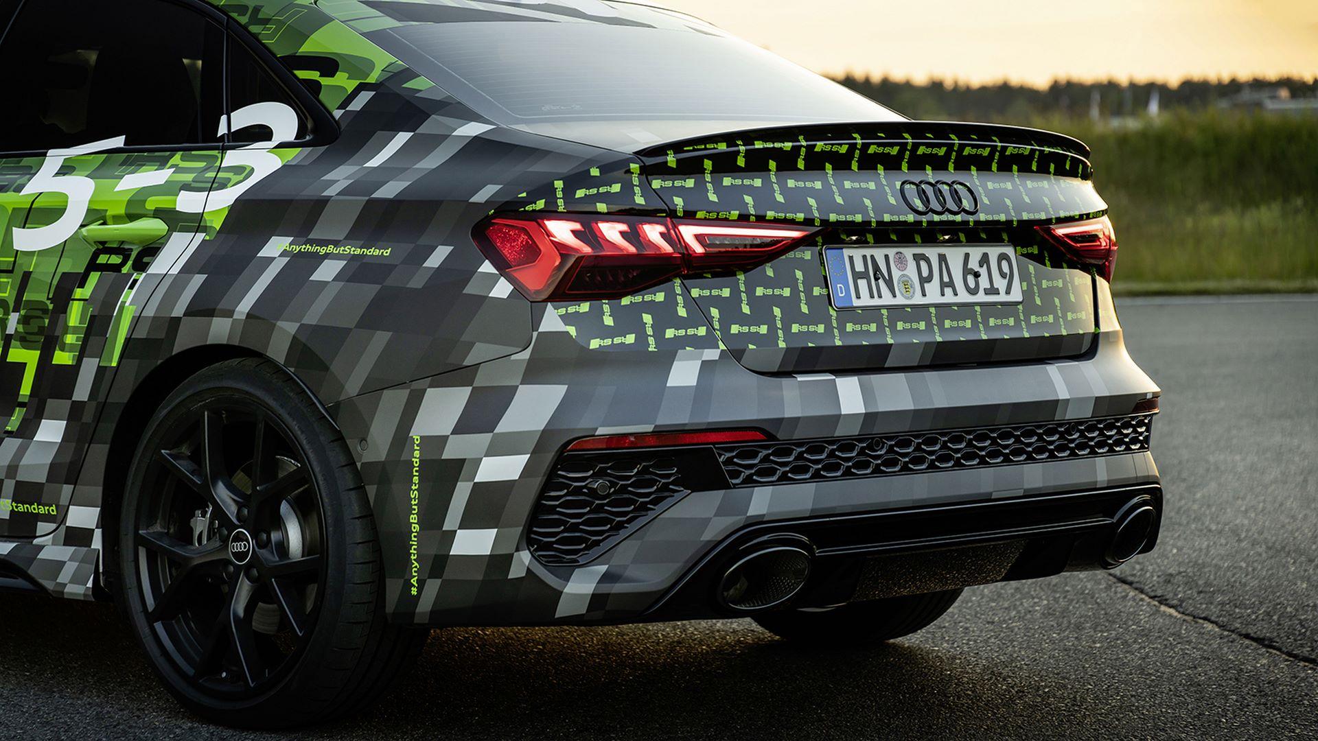 2022-audi-rs3-sedan-3