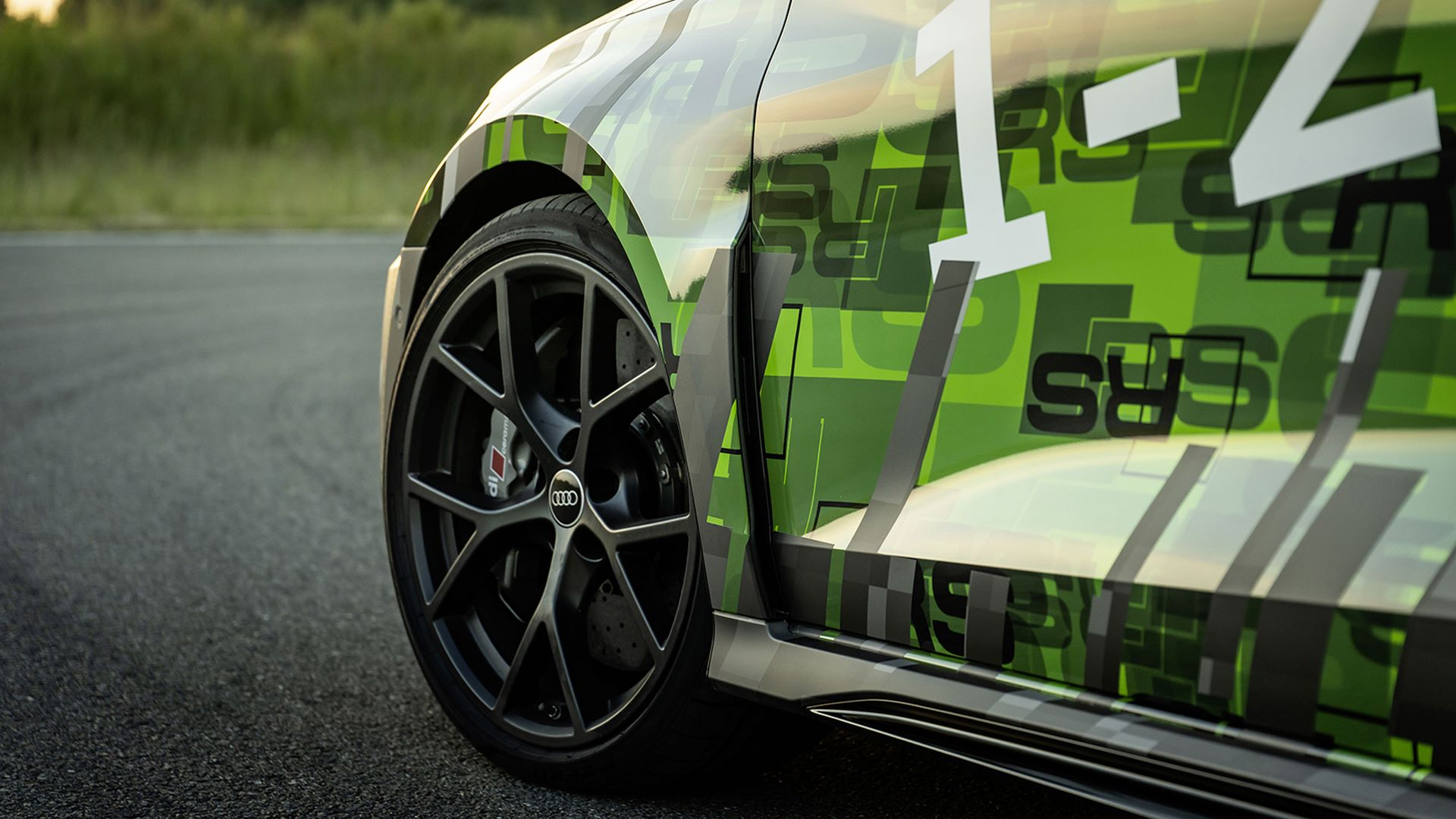 2022-audi-rs3-sedan-7