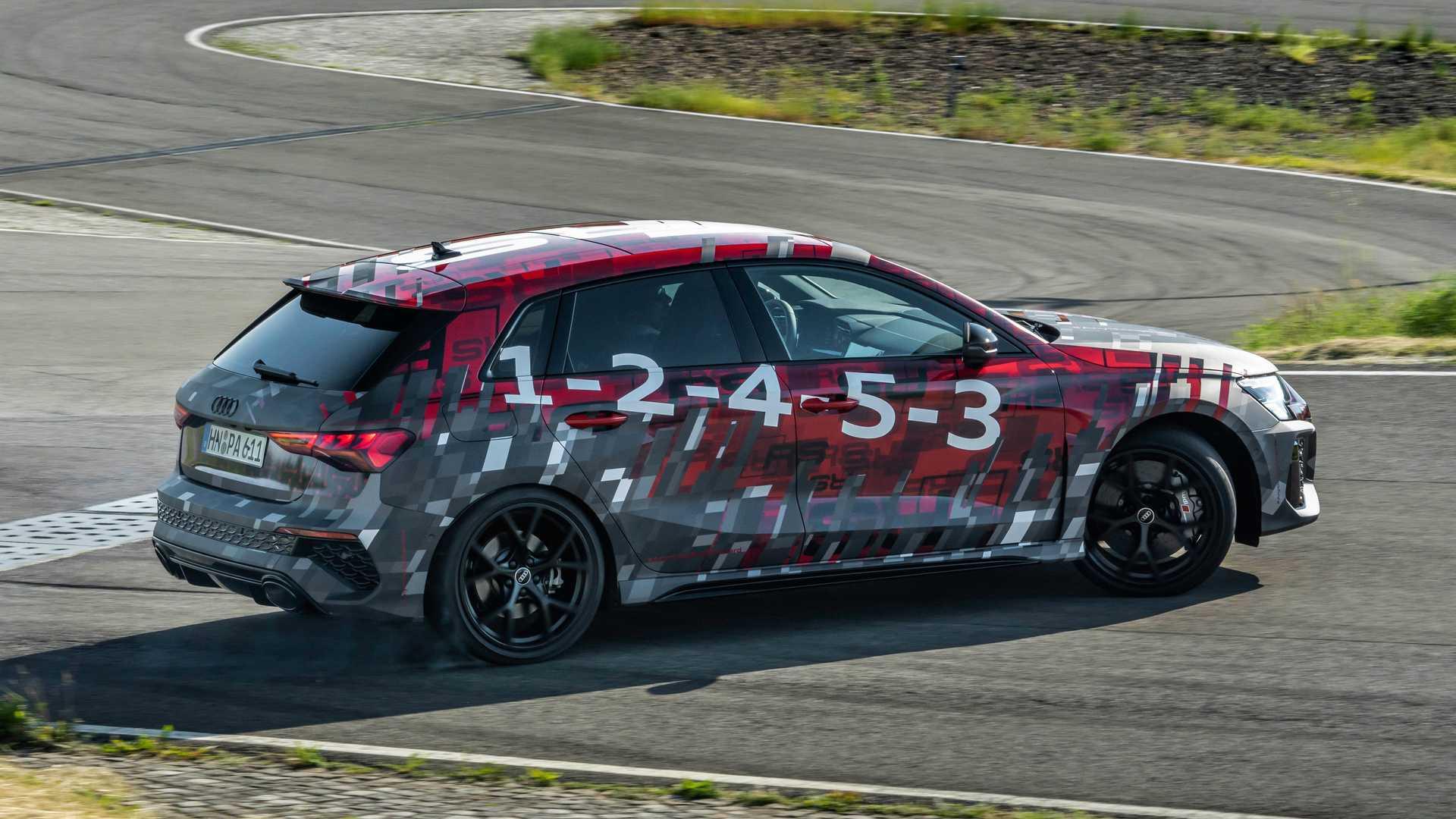 2022-audi-rs3-sportback-drifting-5