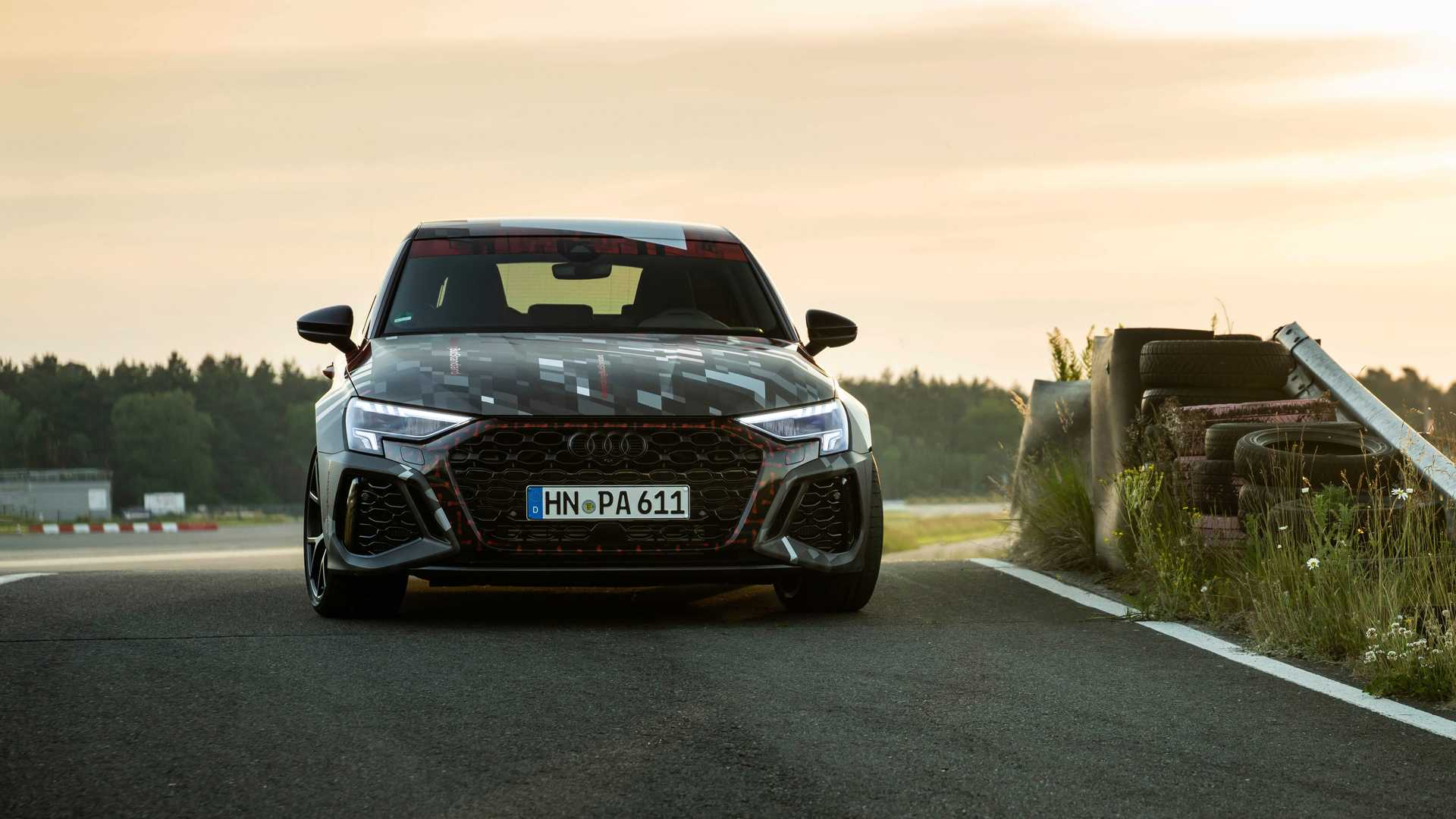 2022-audi-rs3-sportback-front-view-1