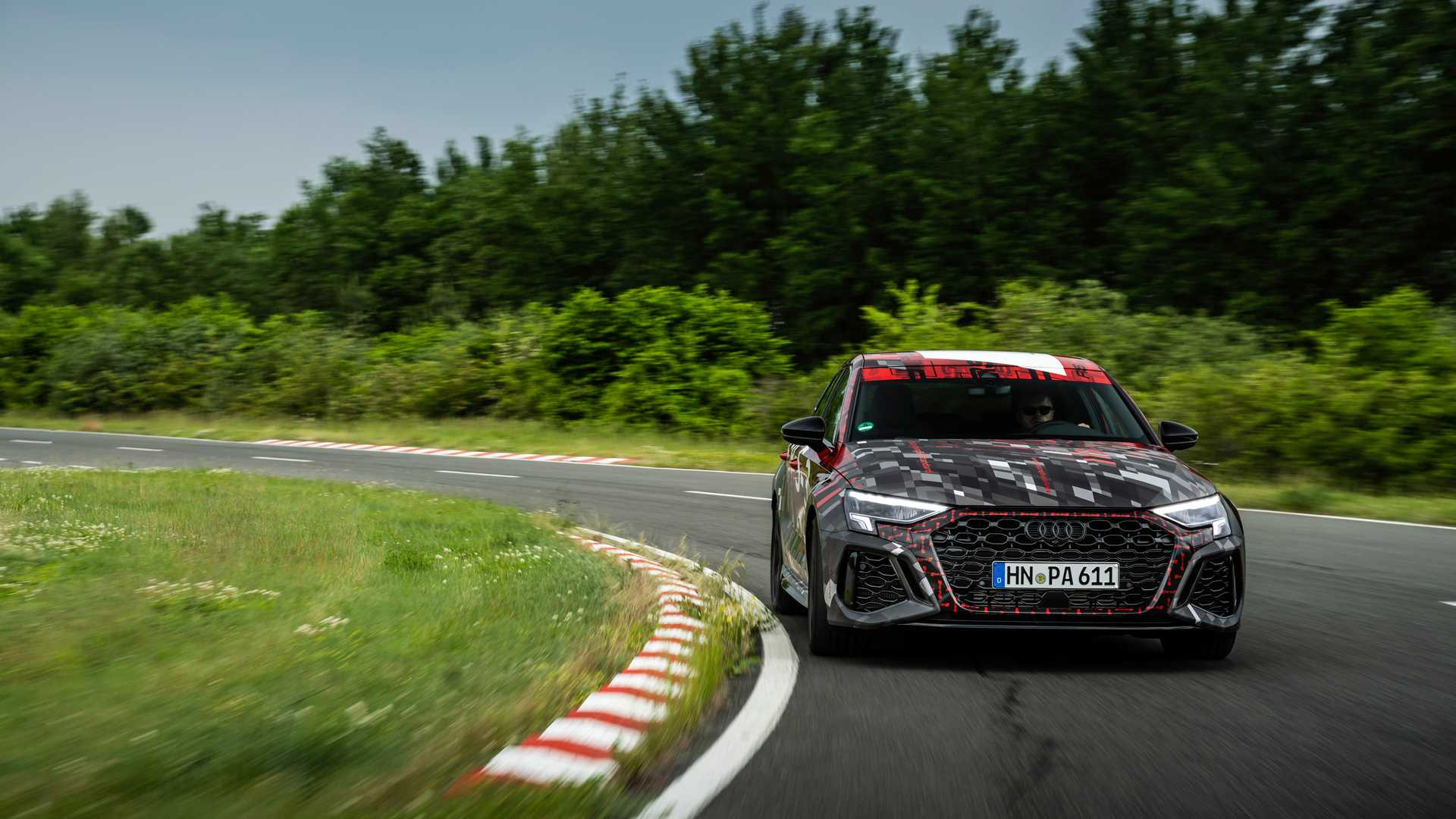 2022-audi-rs3-sportback-front-view-2