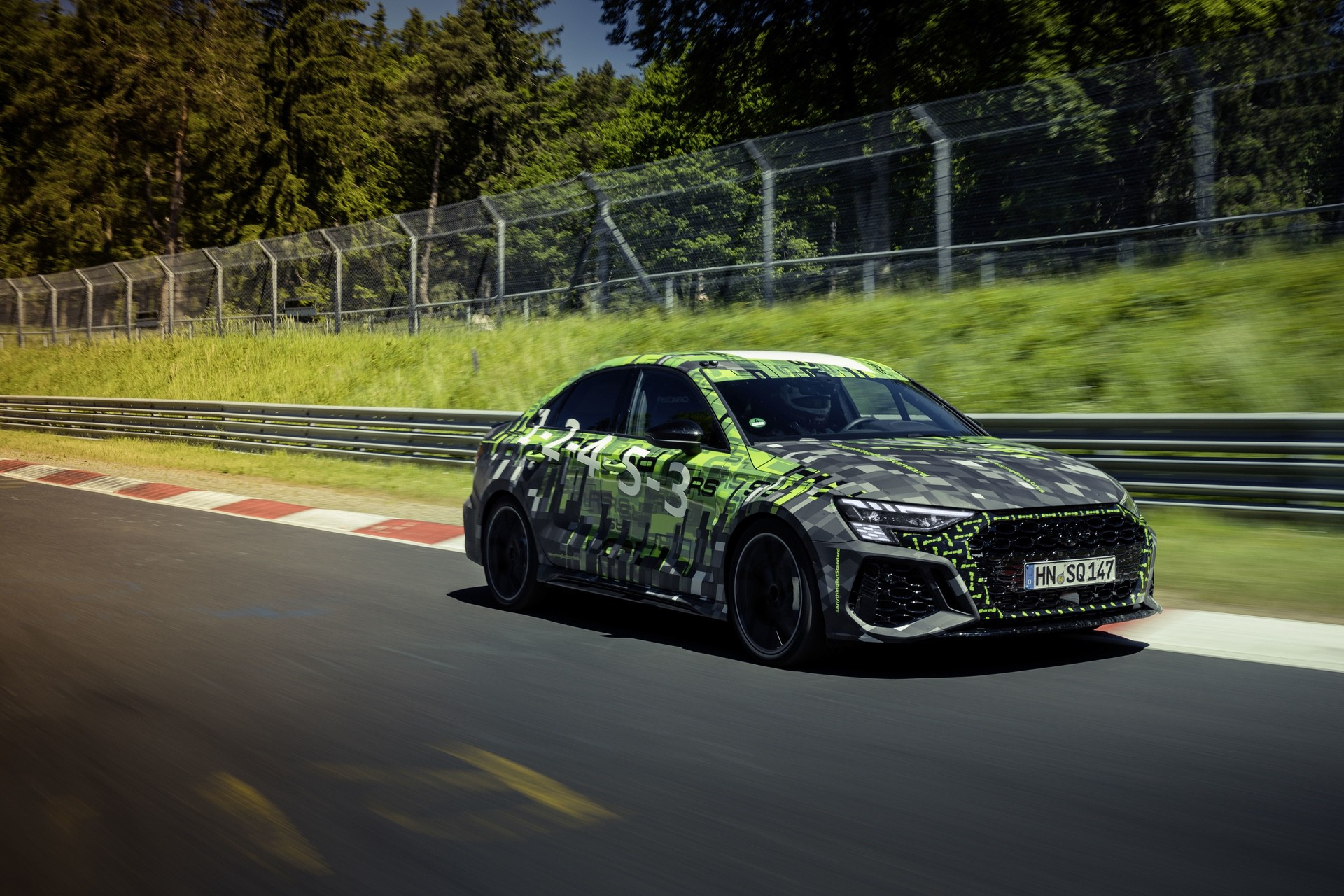 Audi_RS3_Sedan_Nurburgring_lap_record-0004