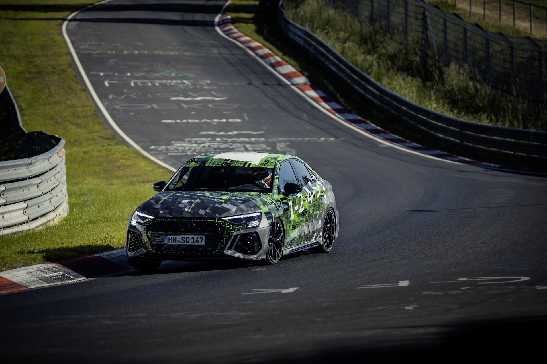 Audi_RS3_Sedan_Nurburgring_lap_record-0009