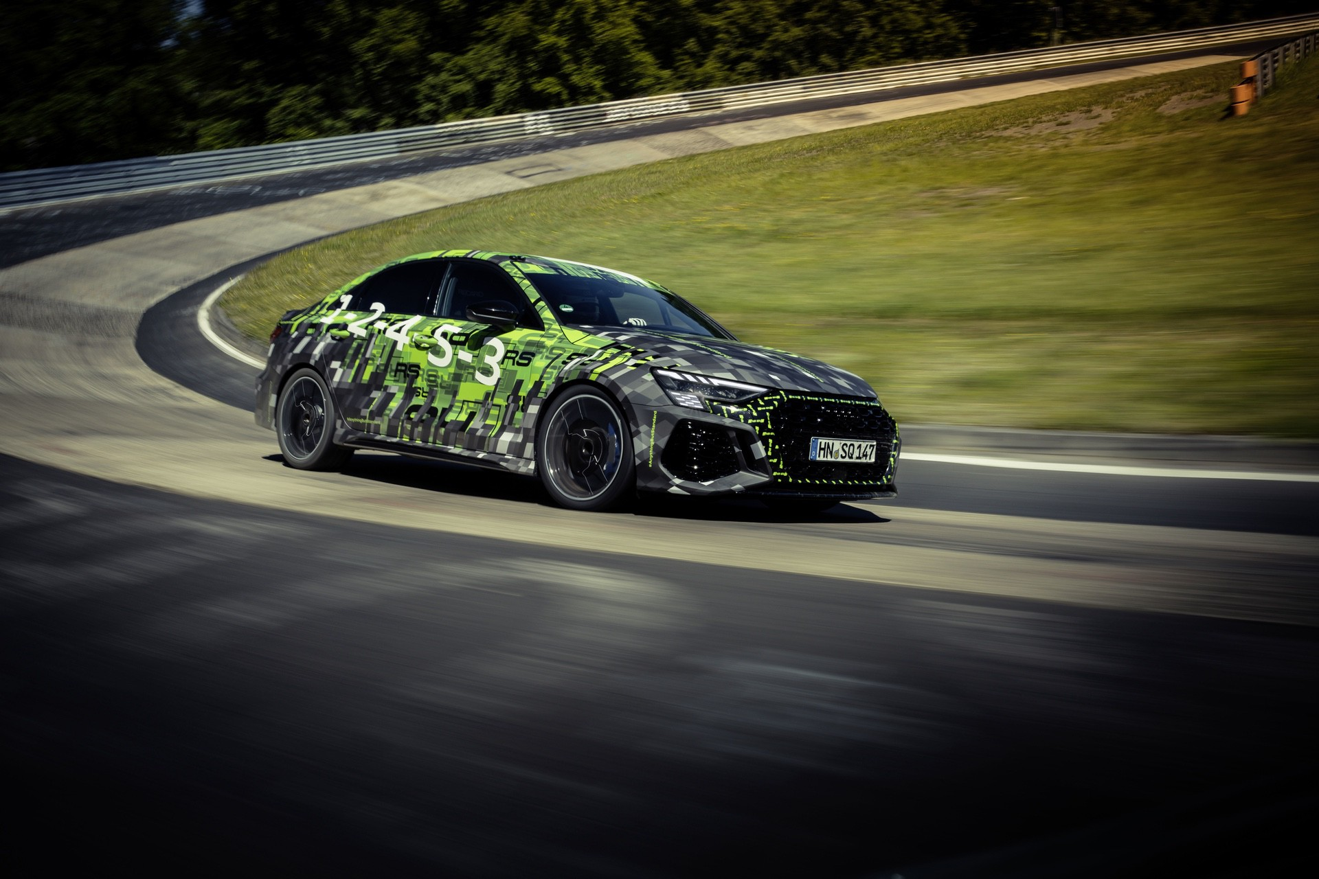 Audi_RS3_Sedan_Nurburgring_lap_record-0012