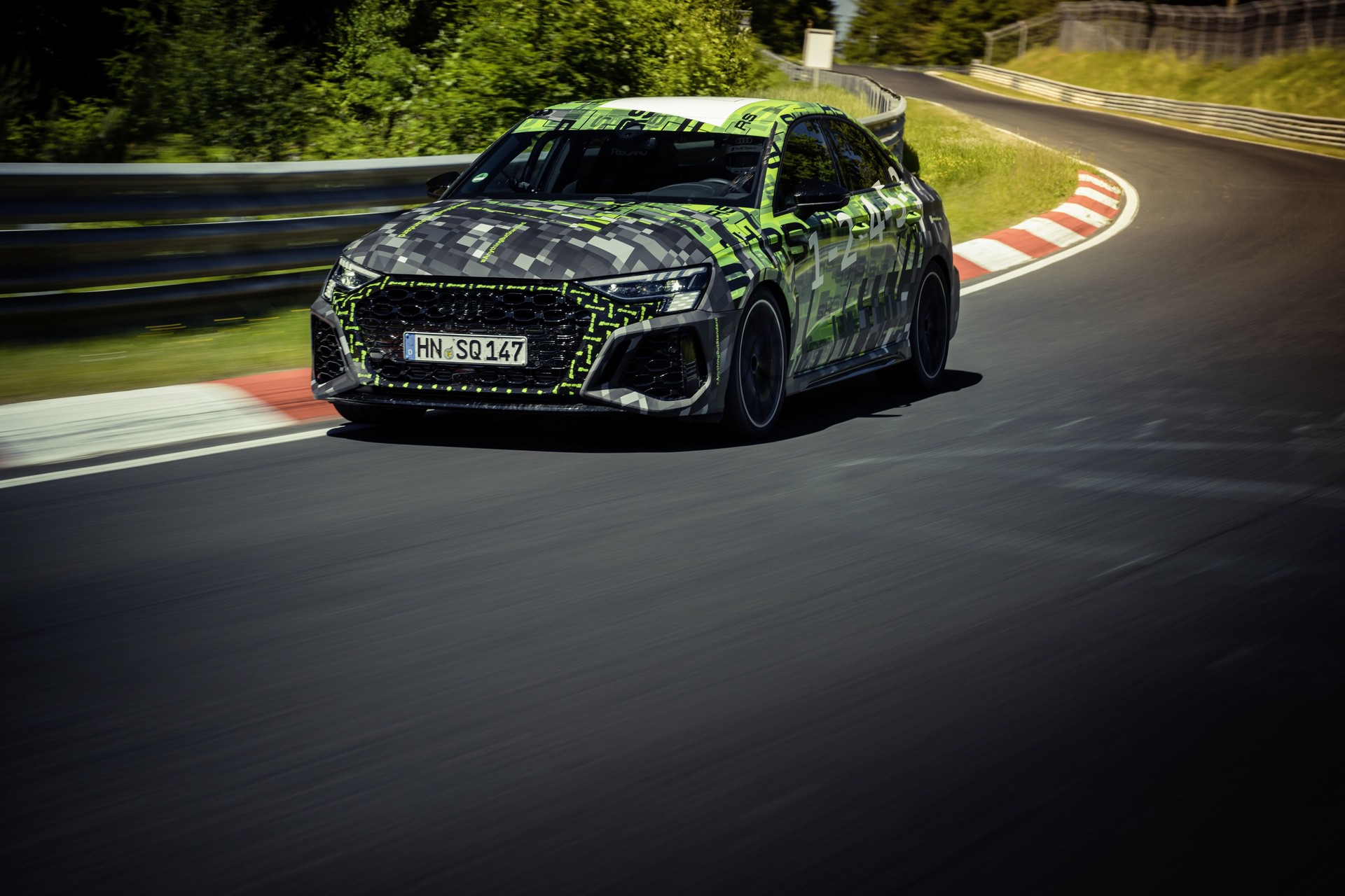 Audi_RS3_Sedan_Nurburgring_lap_record-0015