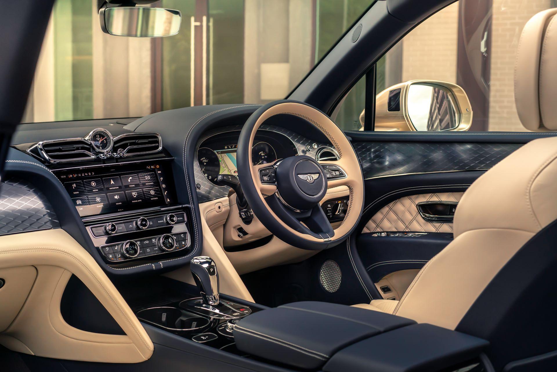 Bentley-Bentayga-Hybrid-Facelift-2021-15