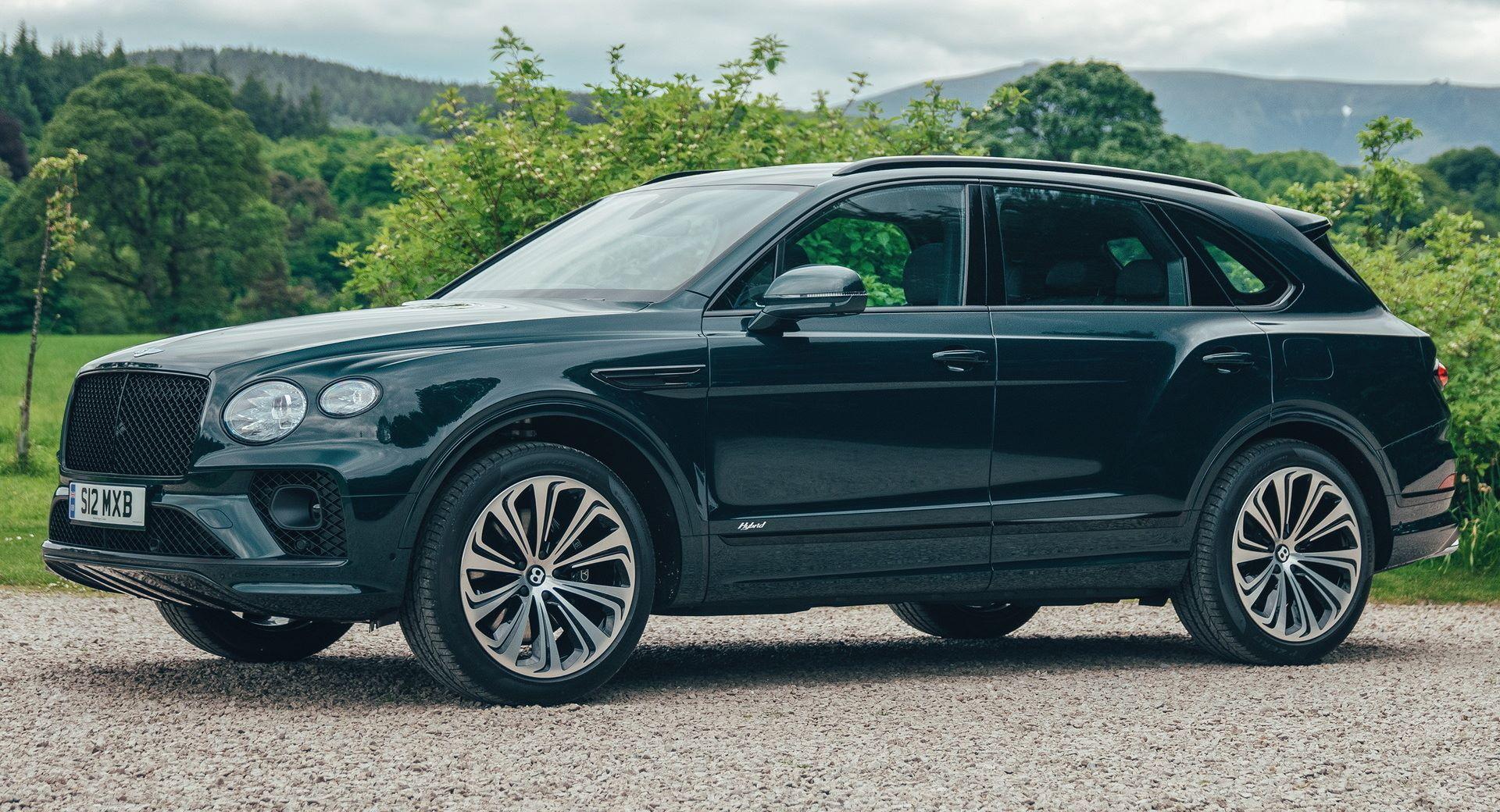 Bentley-Bentayga-Hybrid-for-The-Macallan-Estate-1