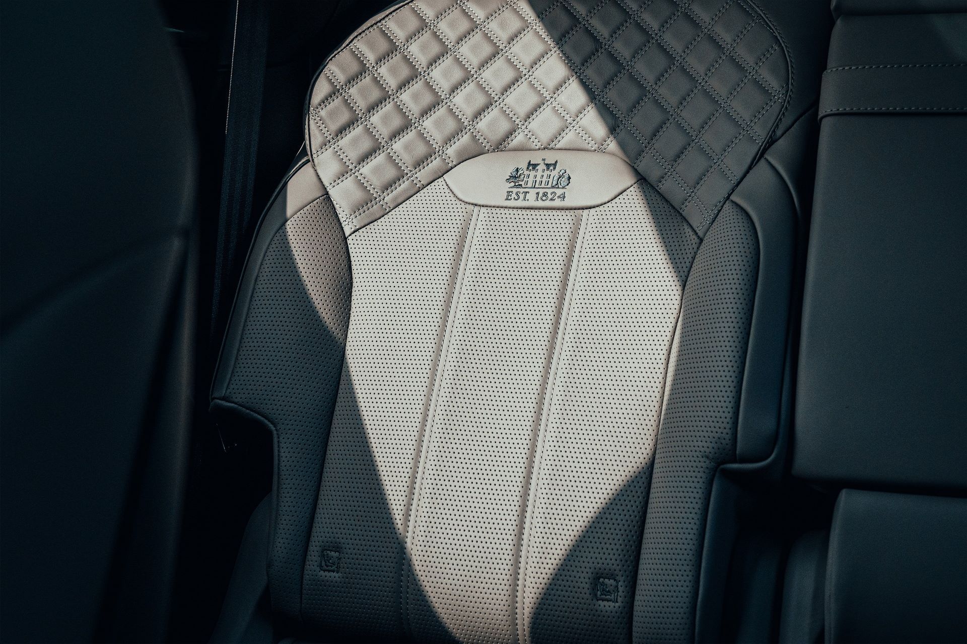 Bentley-Bentayga-Hybrid-for-The-Macallan-Estate-6