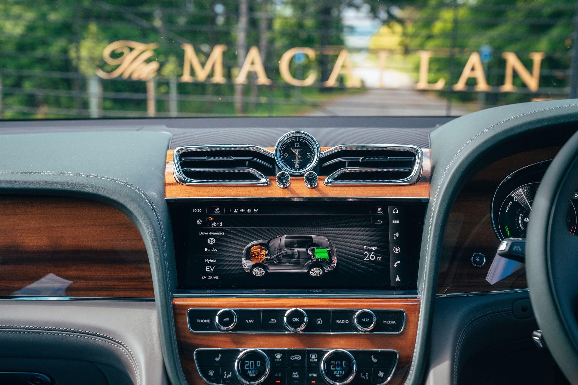 Bentley-Bentayga-Hybrid-for-The-Macallan-Estate-8