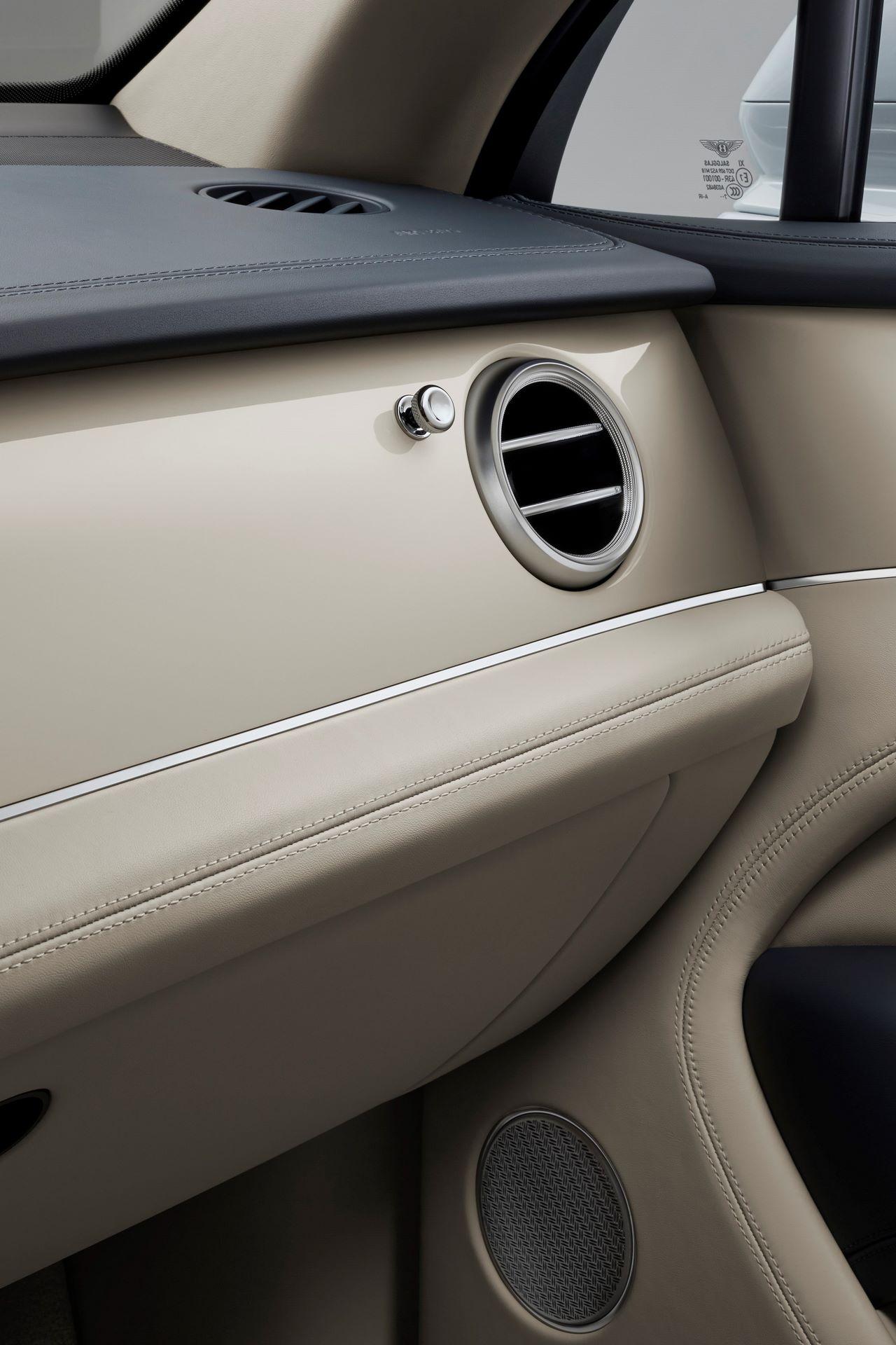 Bentley-Bentayga-Mulliner-2021-9