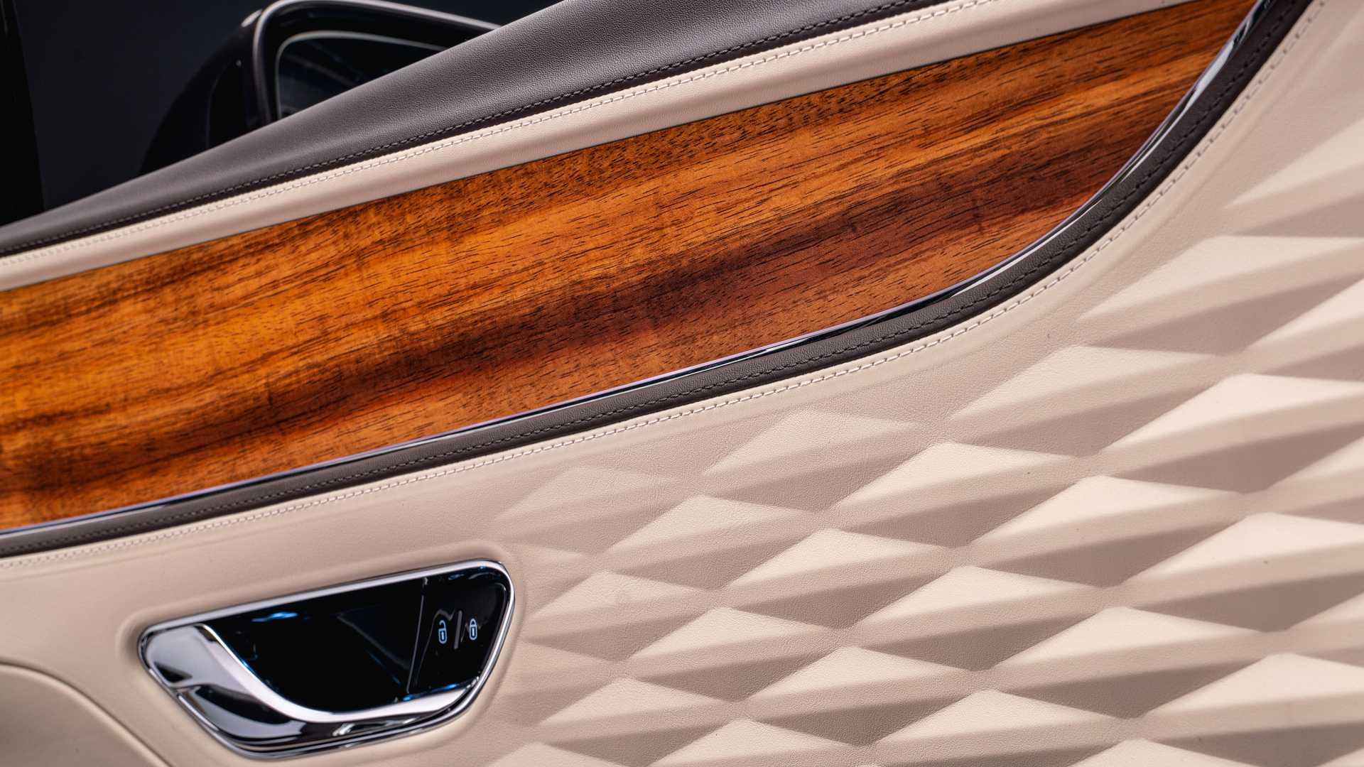 Bentley-Flying-Spur-Hybrid-Odyssean-Edition-9