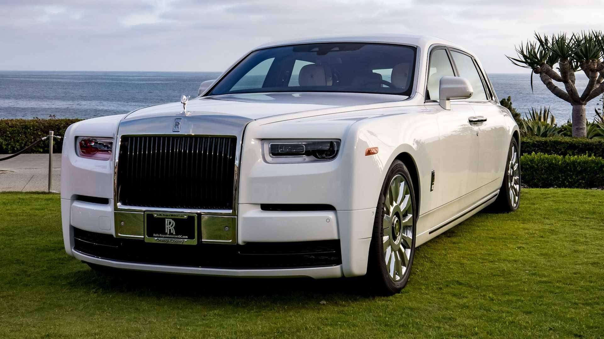 Bespoke-Rolls-Royce-Phantom-and-Dawn-4