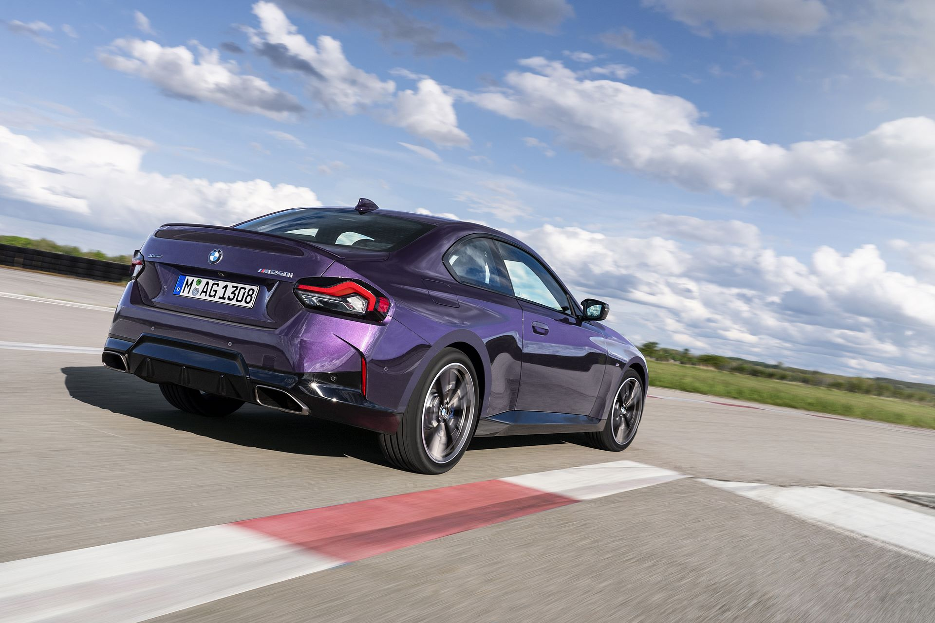 BMW-2-Series-2022-18