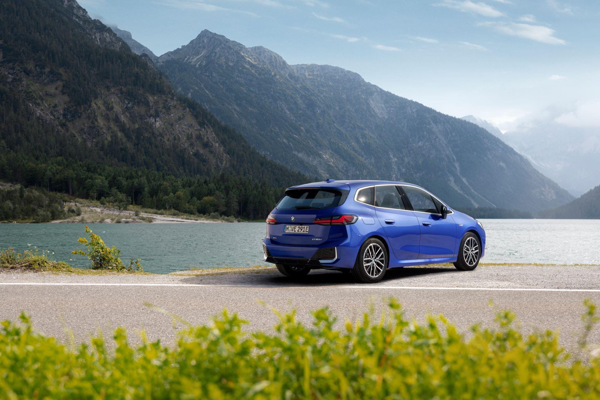 BMW-2-Series-Active-Tourer-2022-100