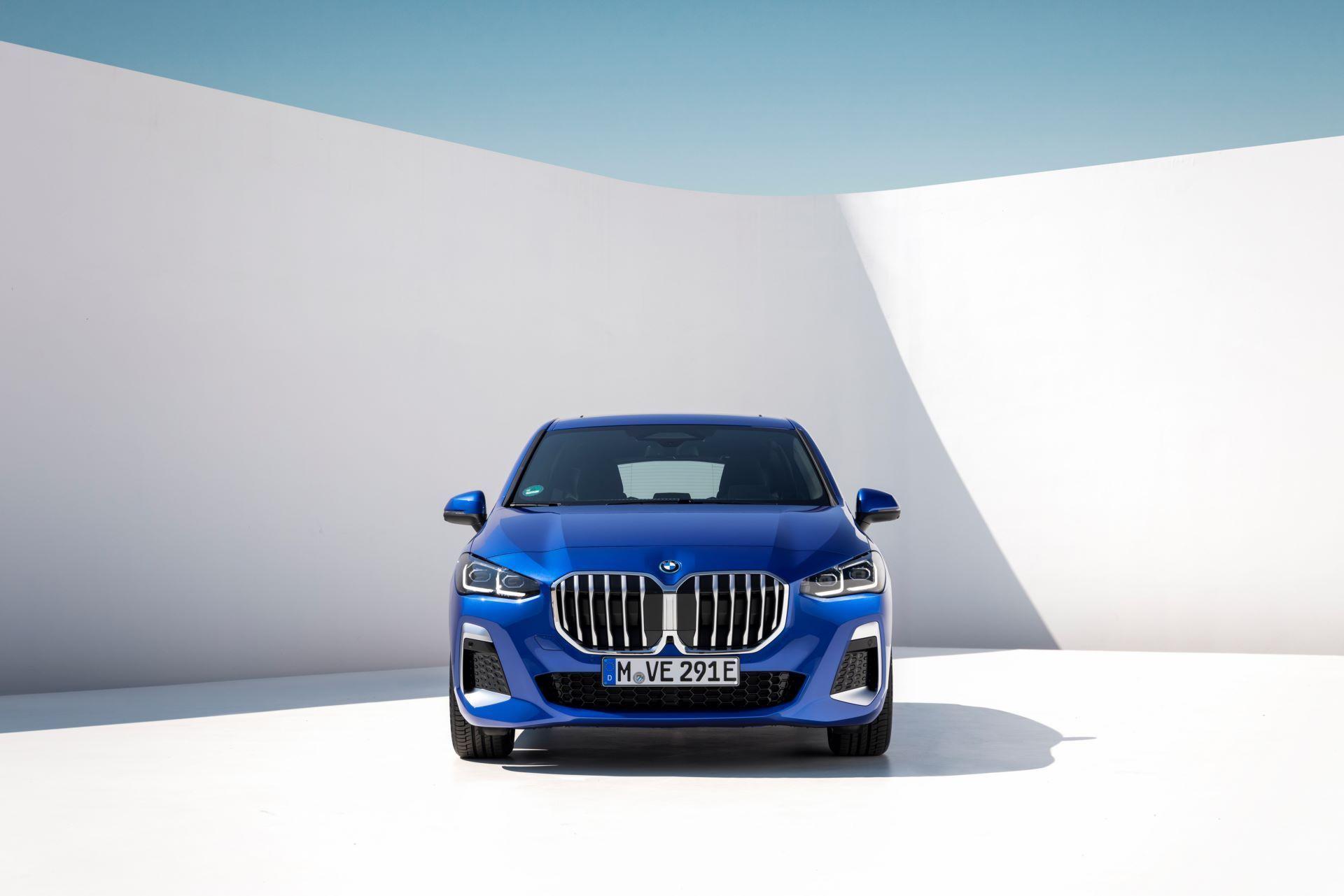 BMW-2-Series-Active-Tourer-2022-110