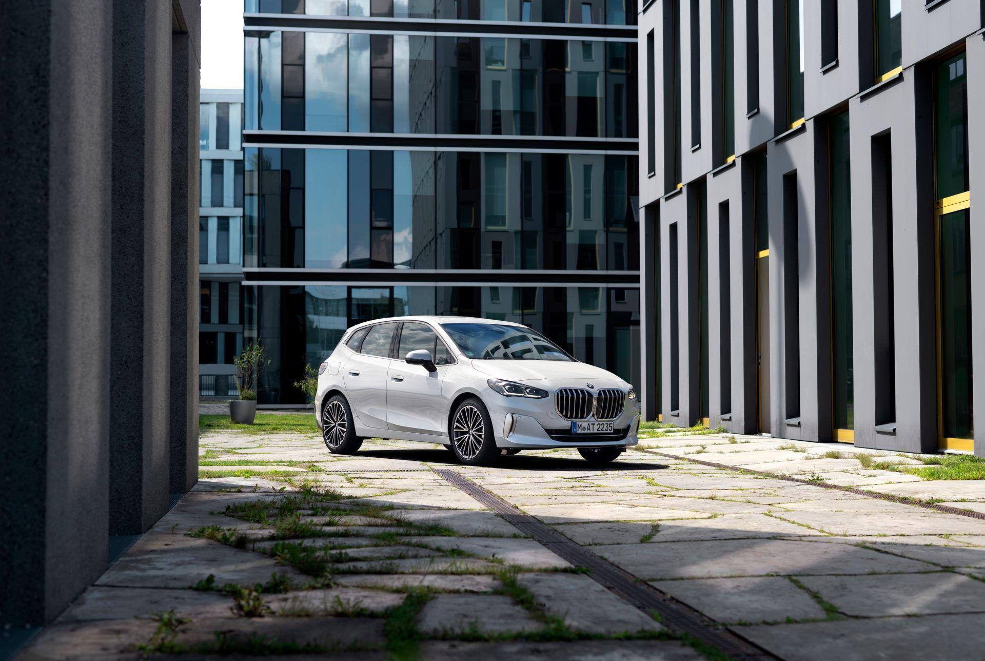 BMW-2-Series-Active-Tourer-2022-13
