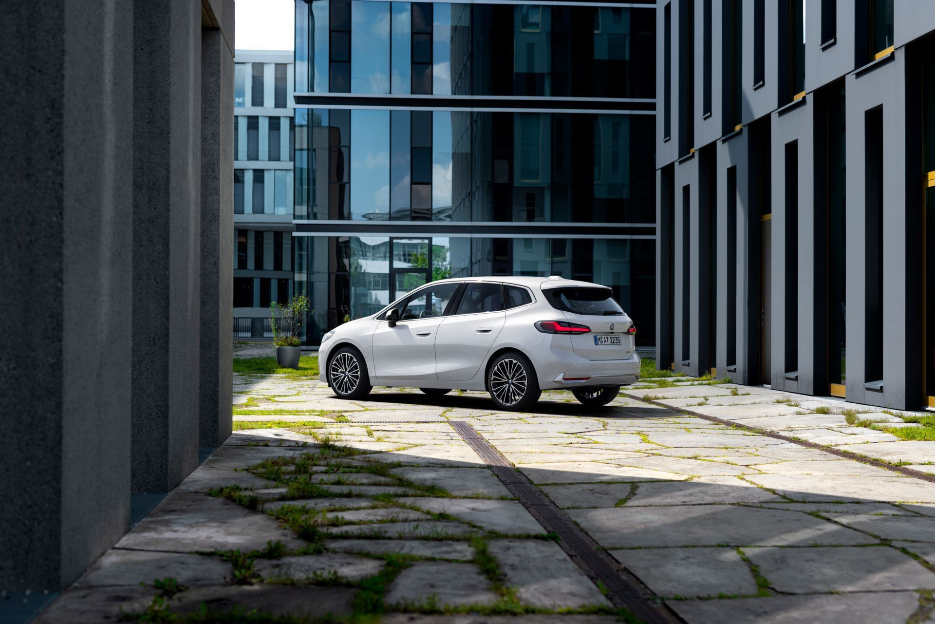 BMW-2-Series-Active-Tourer-2022-14