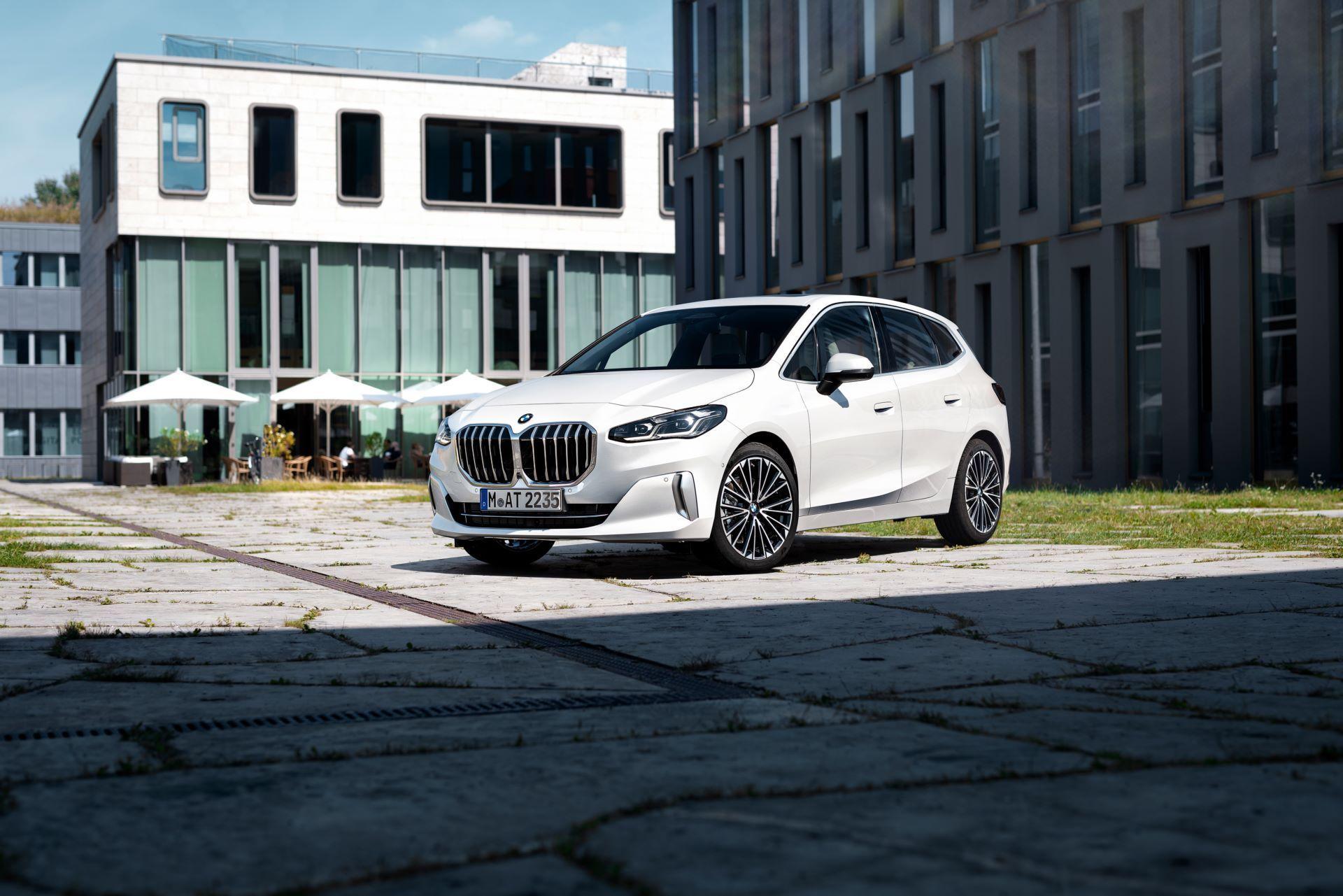 BMW-2-Series-Active-Tourer-2022-15