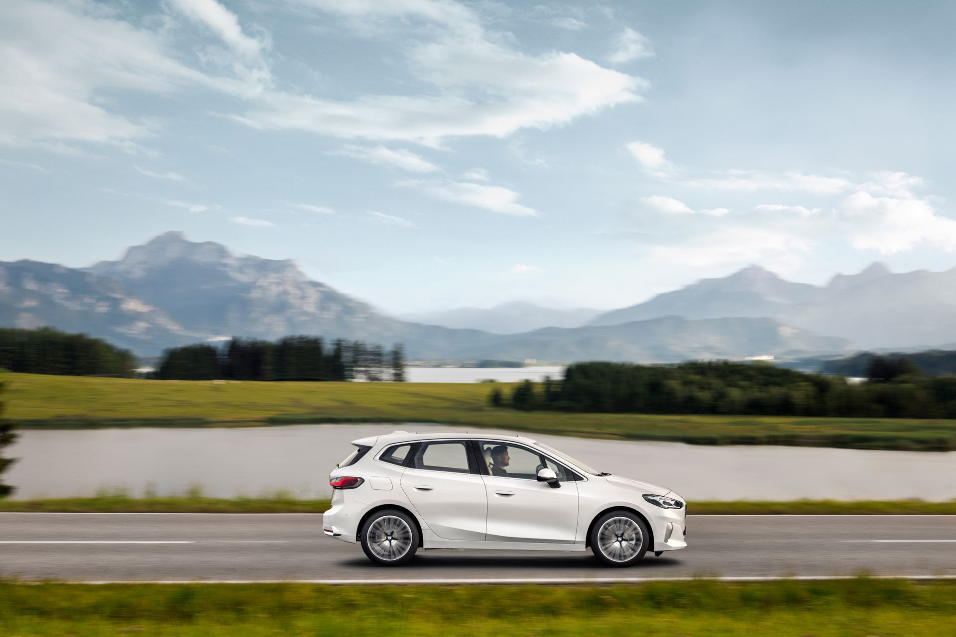 BMW-2-Series-Active-Tourer-2022-18