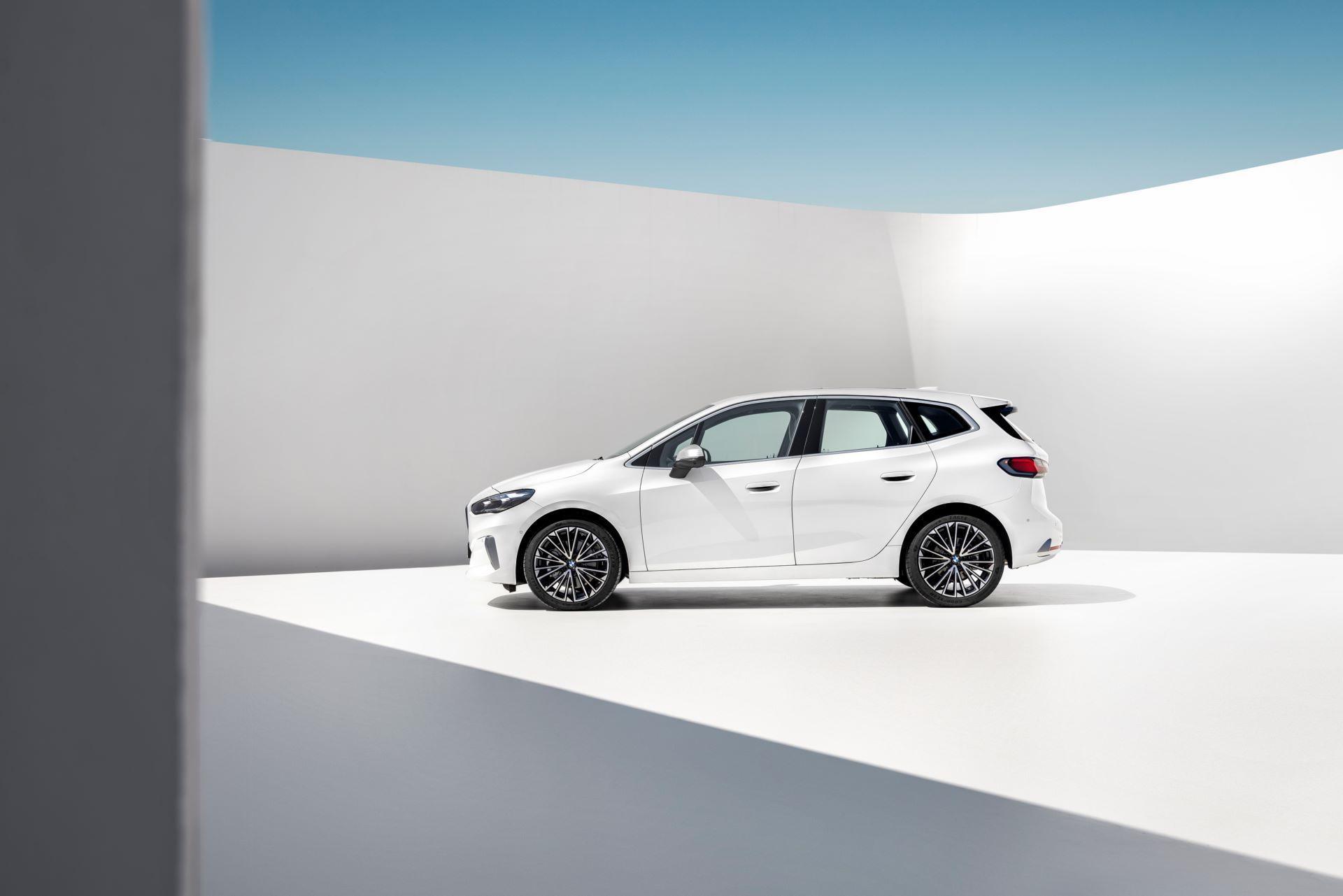 BMW-2-Series-Active-Tourer-2022-24