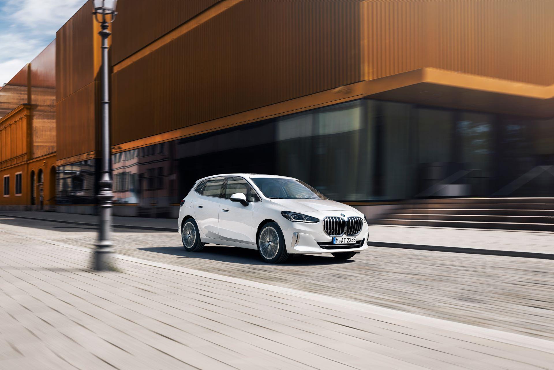 BMW-2-Series-Active-Tourer-2022-3
