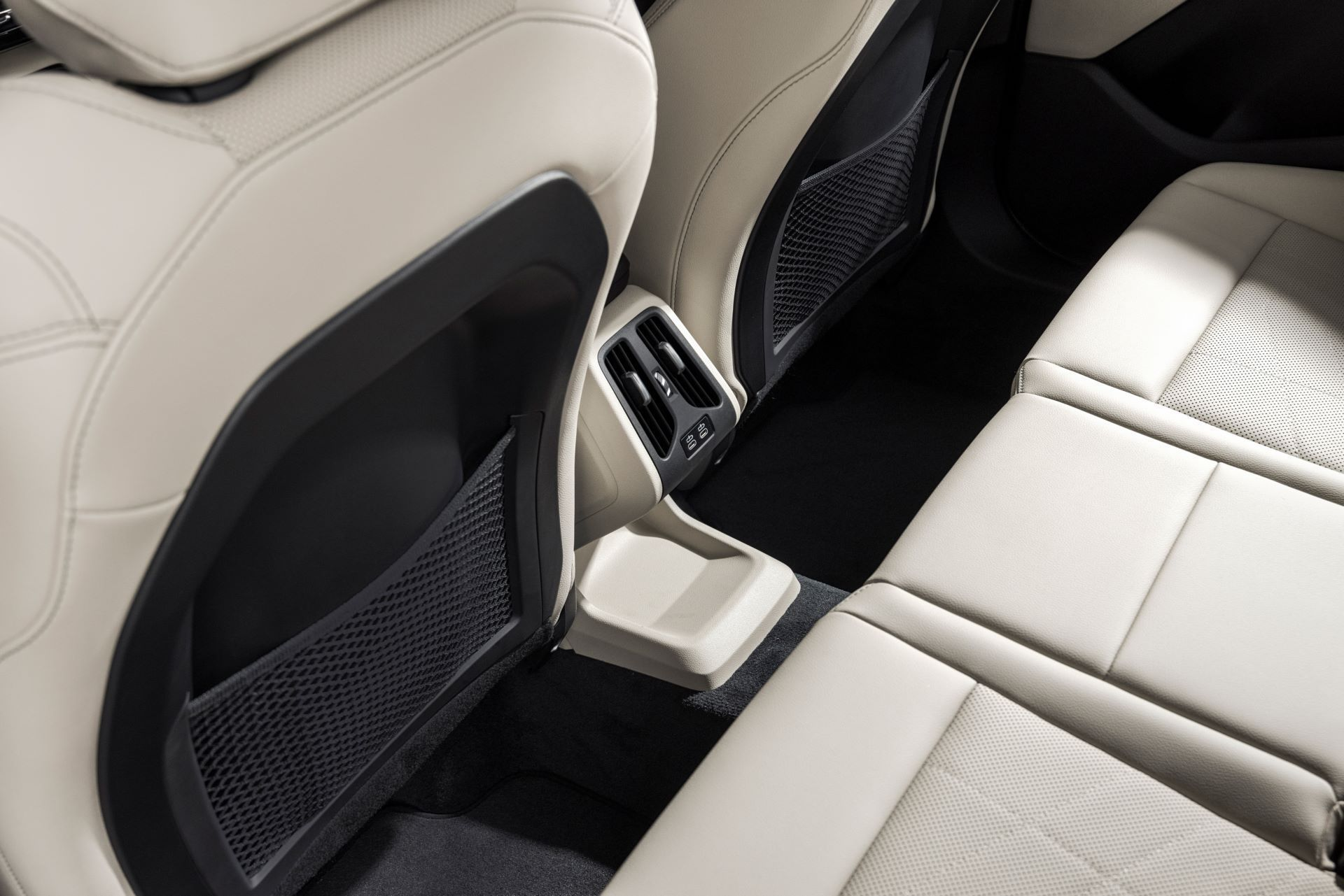 BMW-2-Series-Active-Tourer-2022-50