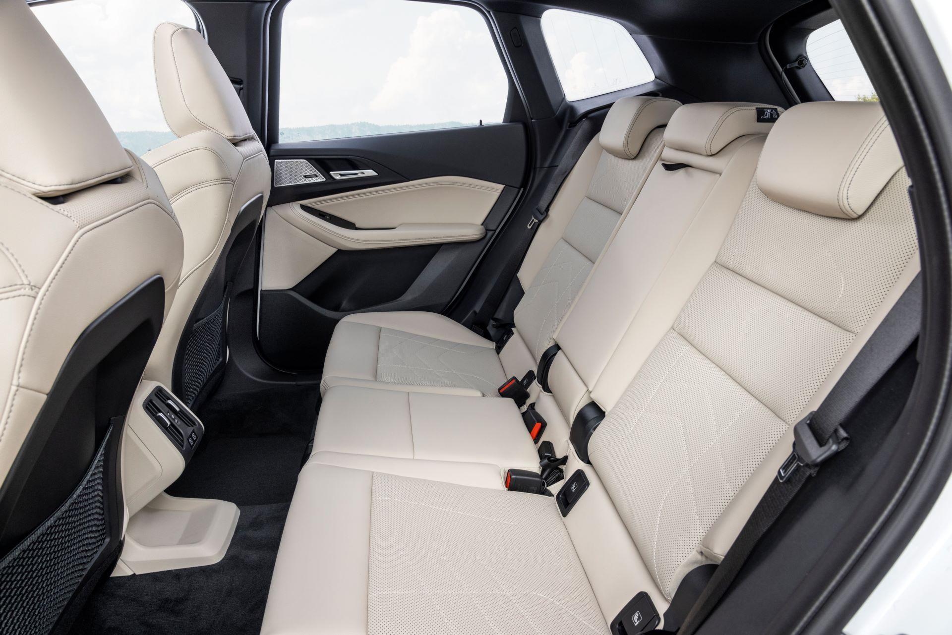BMW-2-Series-Active-Tourer-2022-53