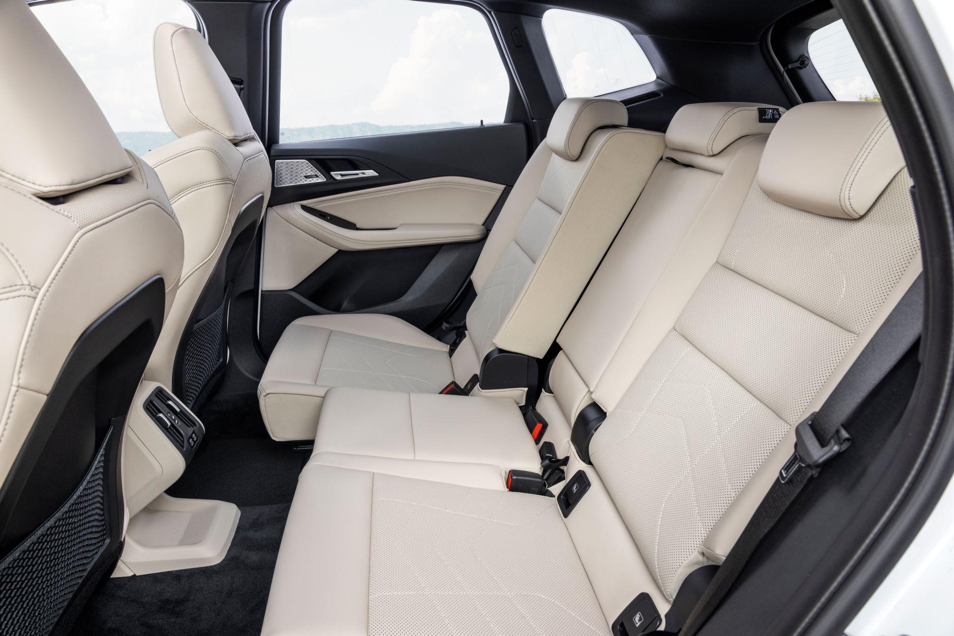 BMW-2-Series-Active-Tourer-2022-54