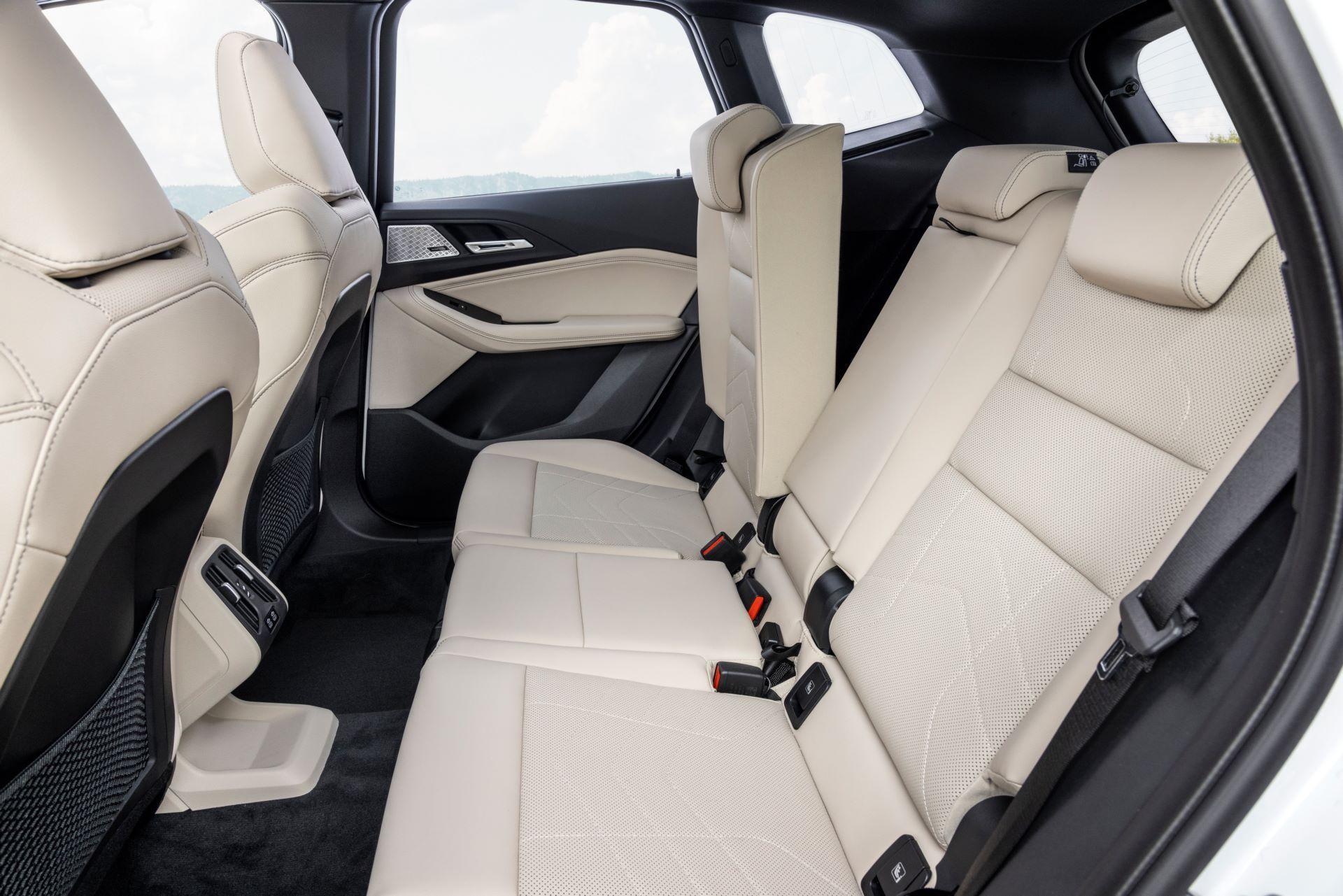 BMW-2-Series-Active-Tourer-2022-55