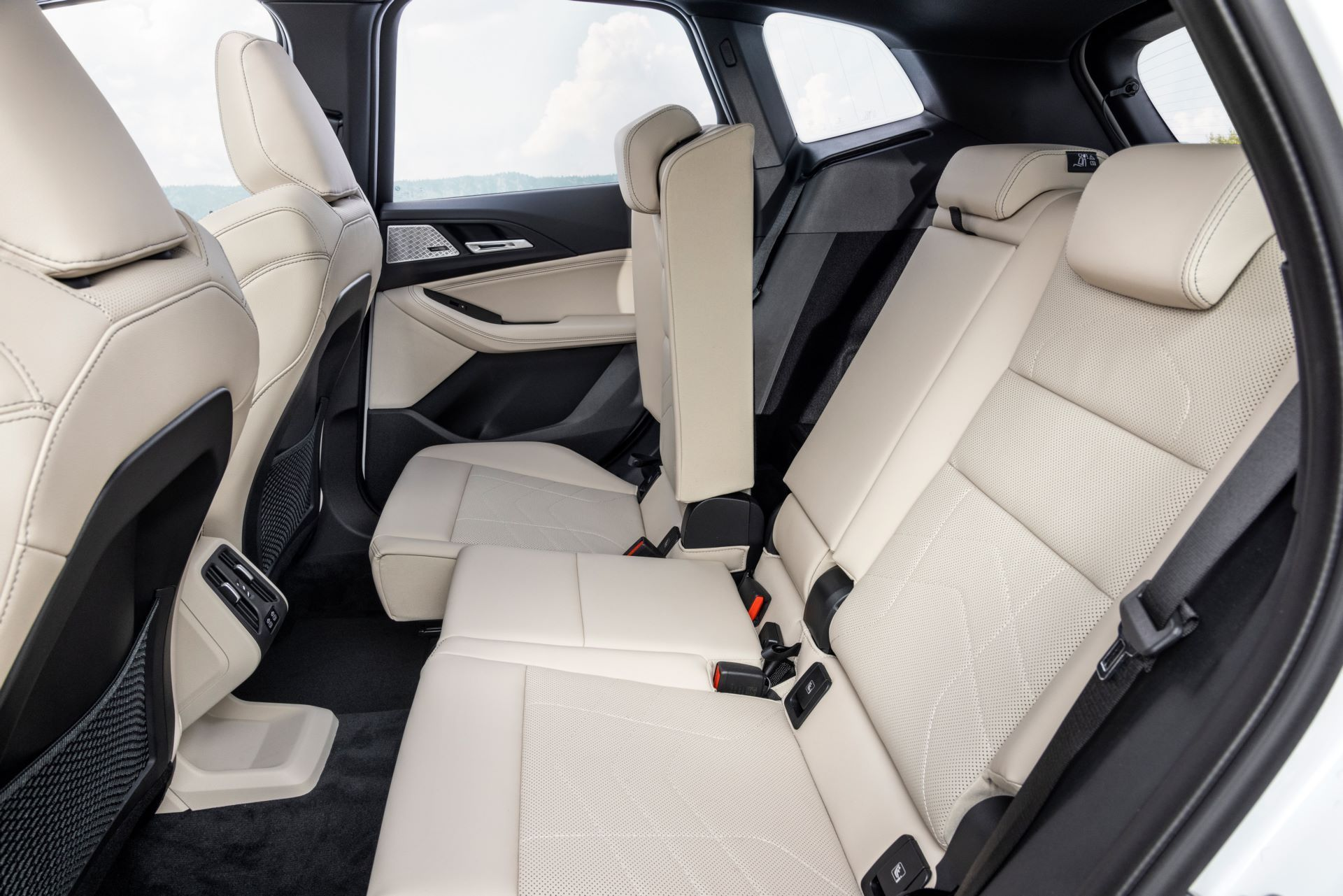 BMW-2-Series-Active-Tourer-2022-57