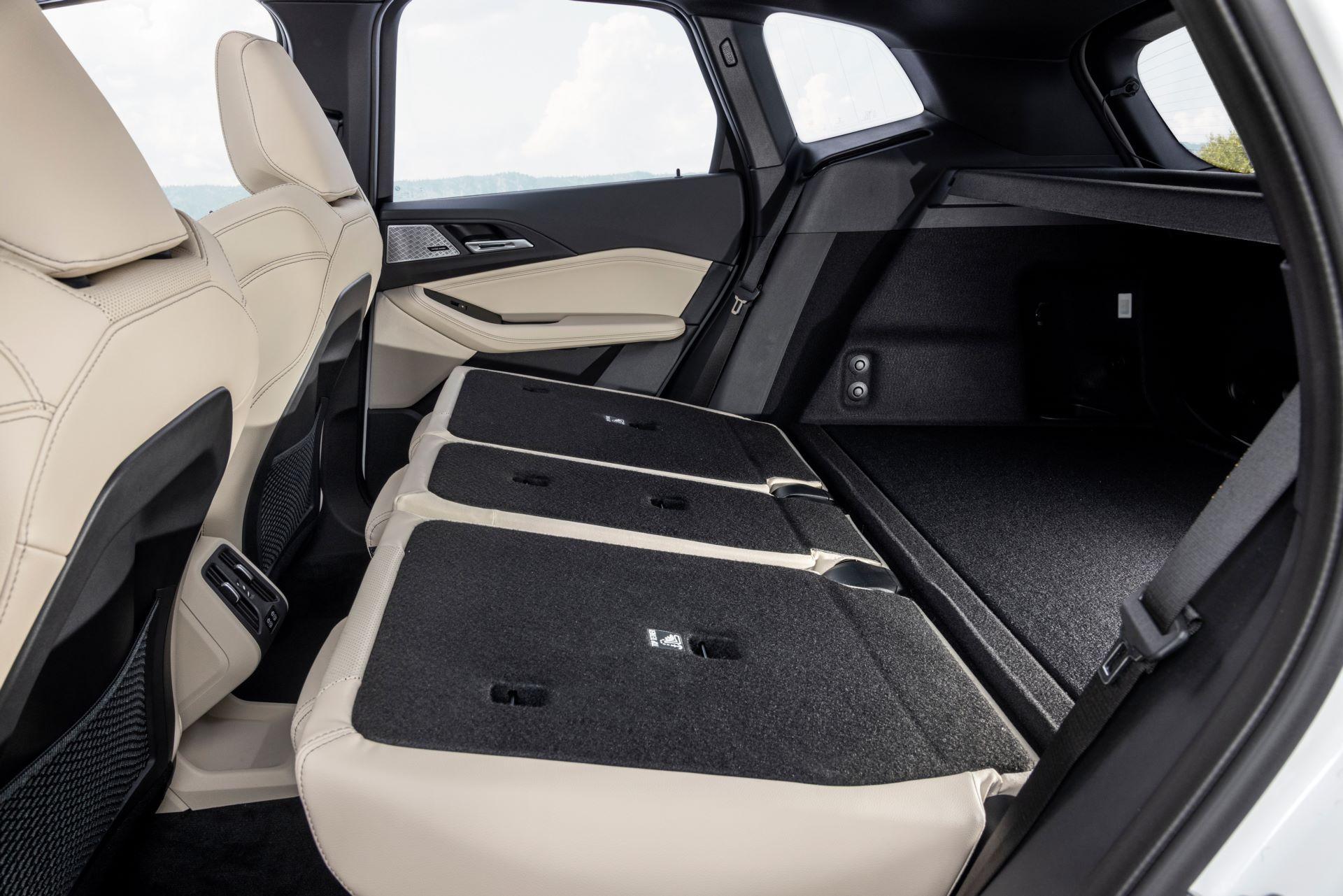 BMW-2-Series-Active-Tourer-2022-60