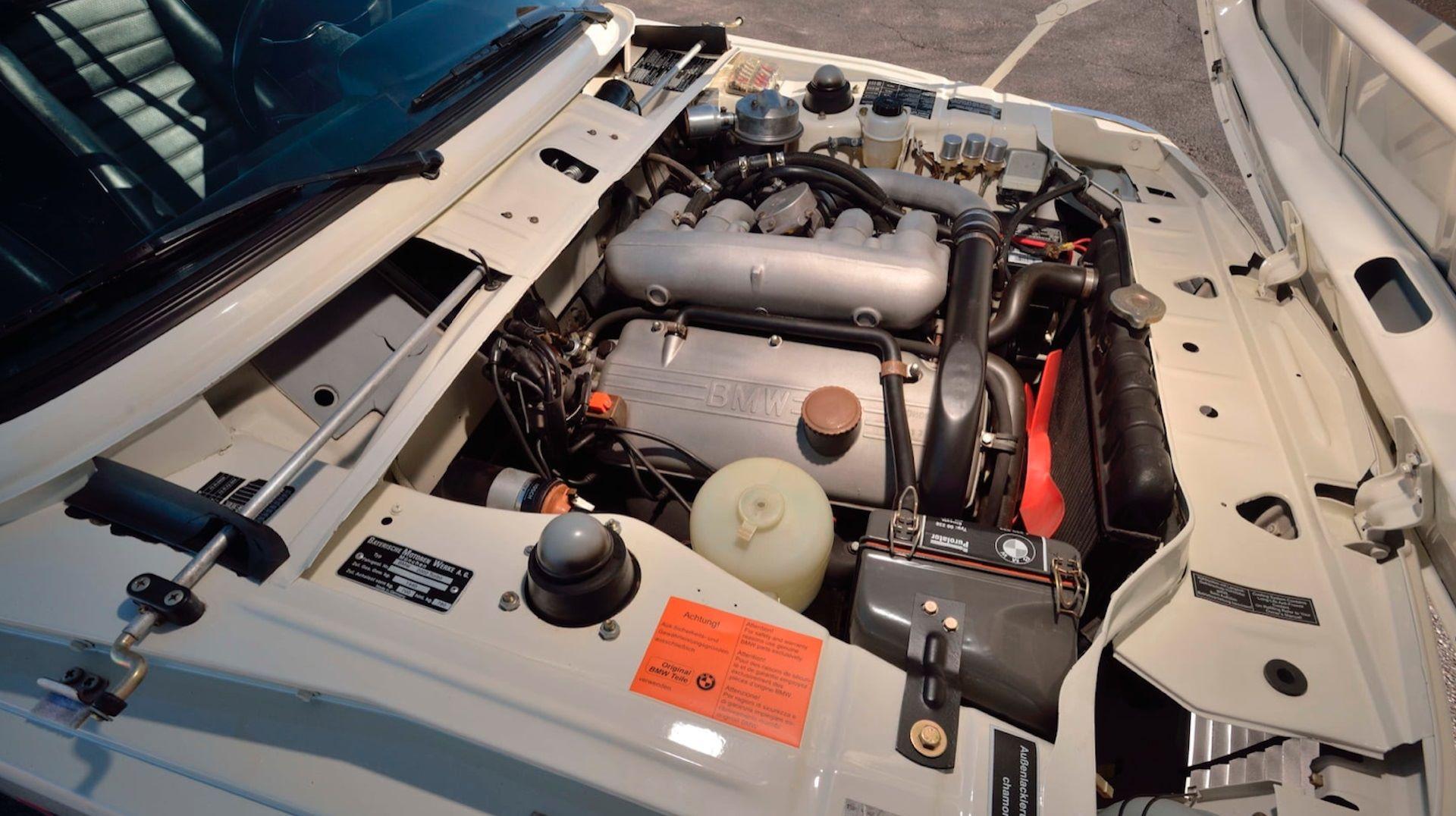 BMW-2002-Turbo-12