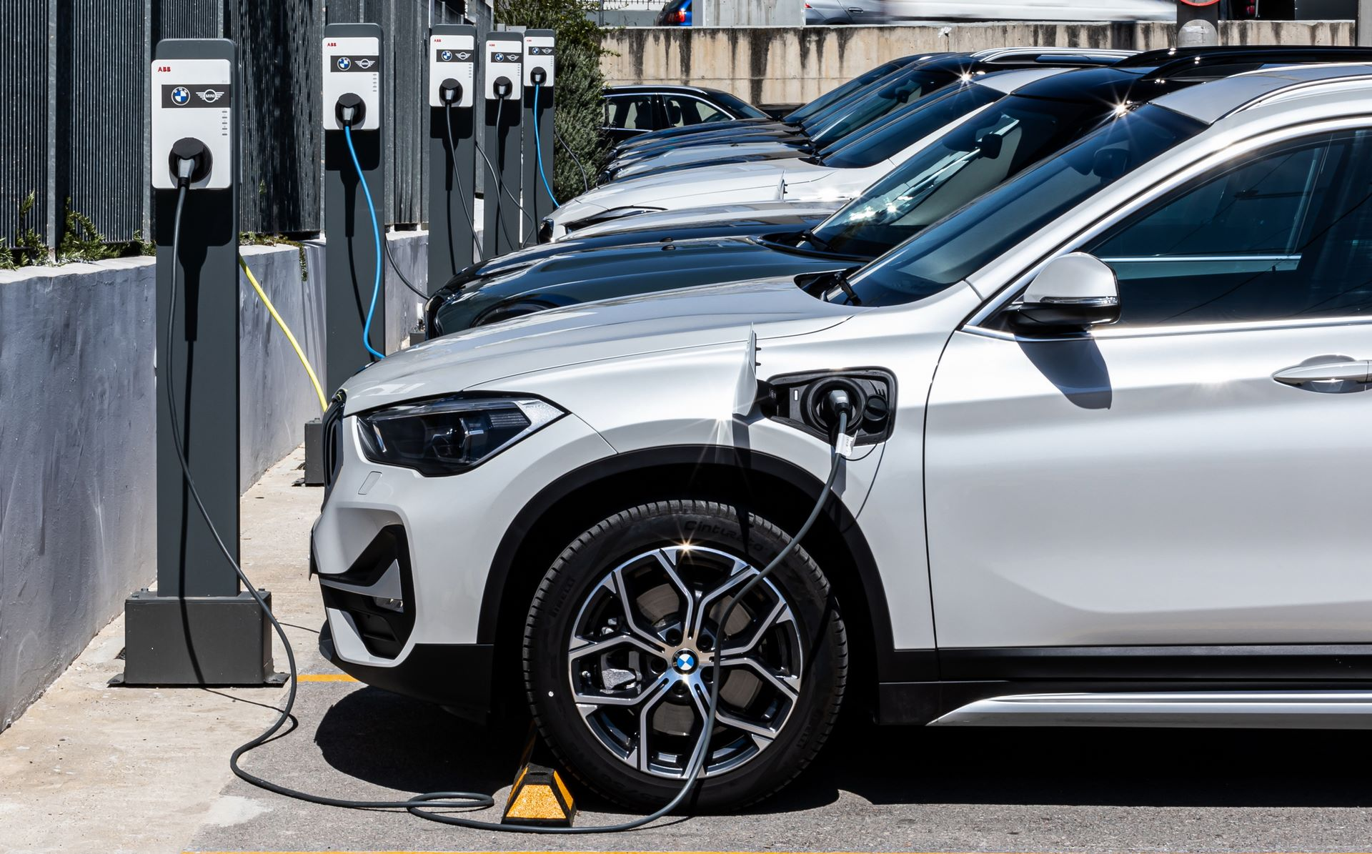 BMW-Group-Hellas-EV-Electric-Chargers-Charging-11