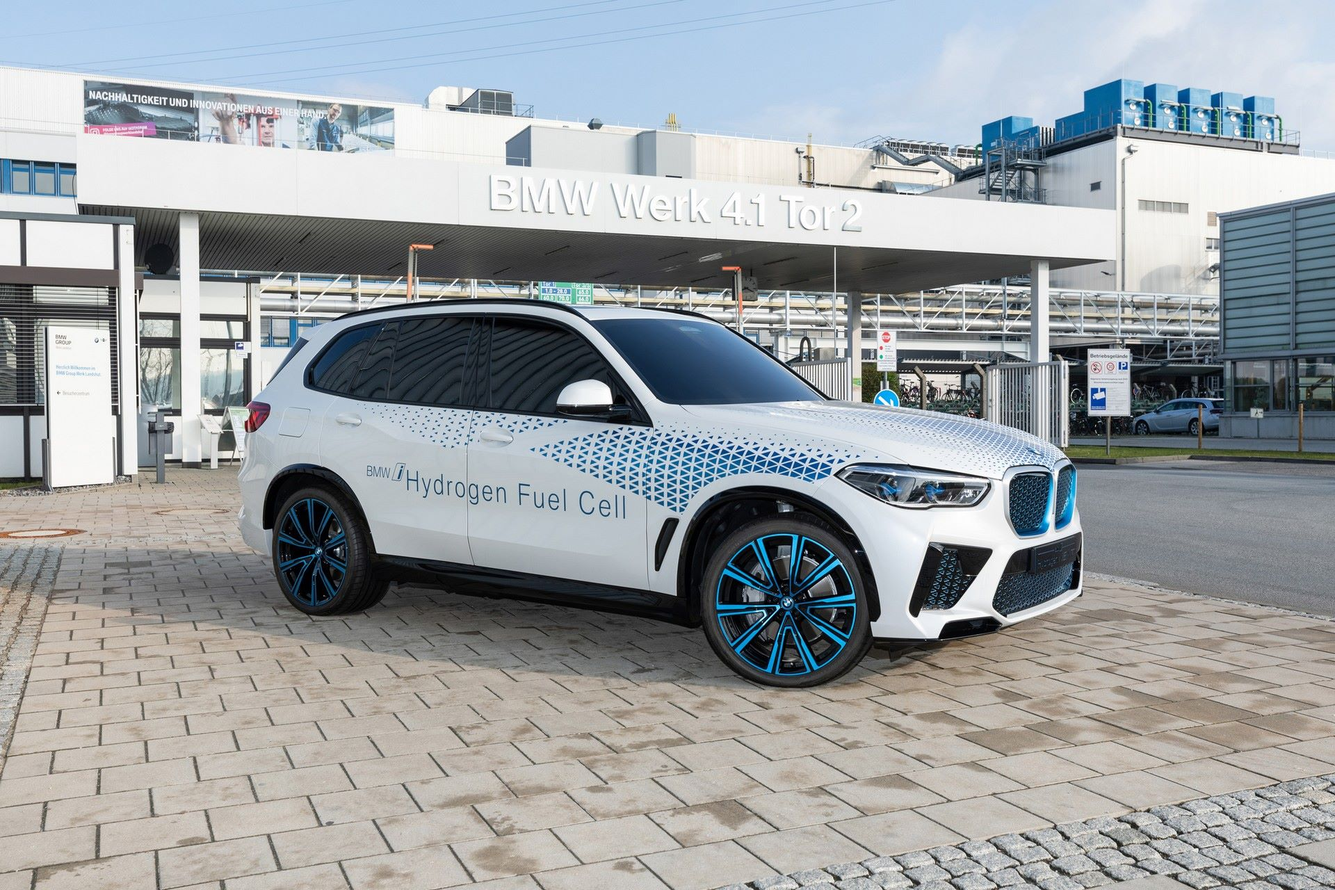 BMW-i-Next-Hydrogen-Concept-1