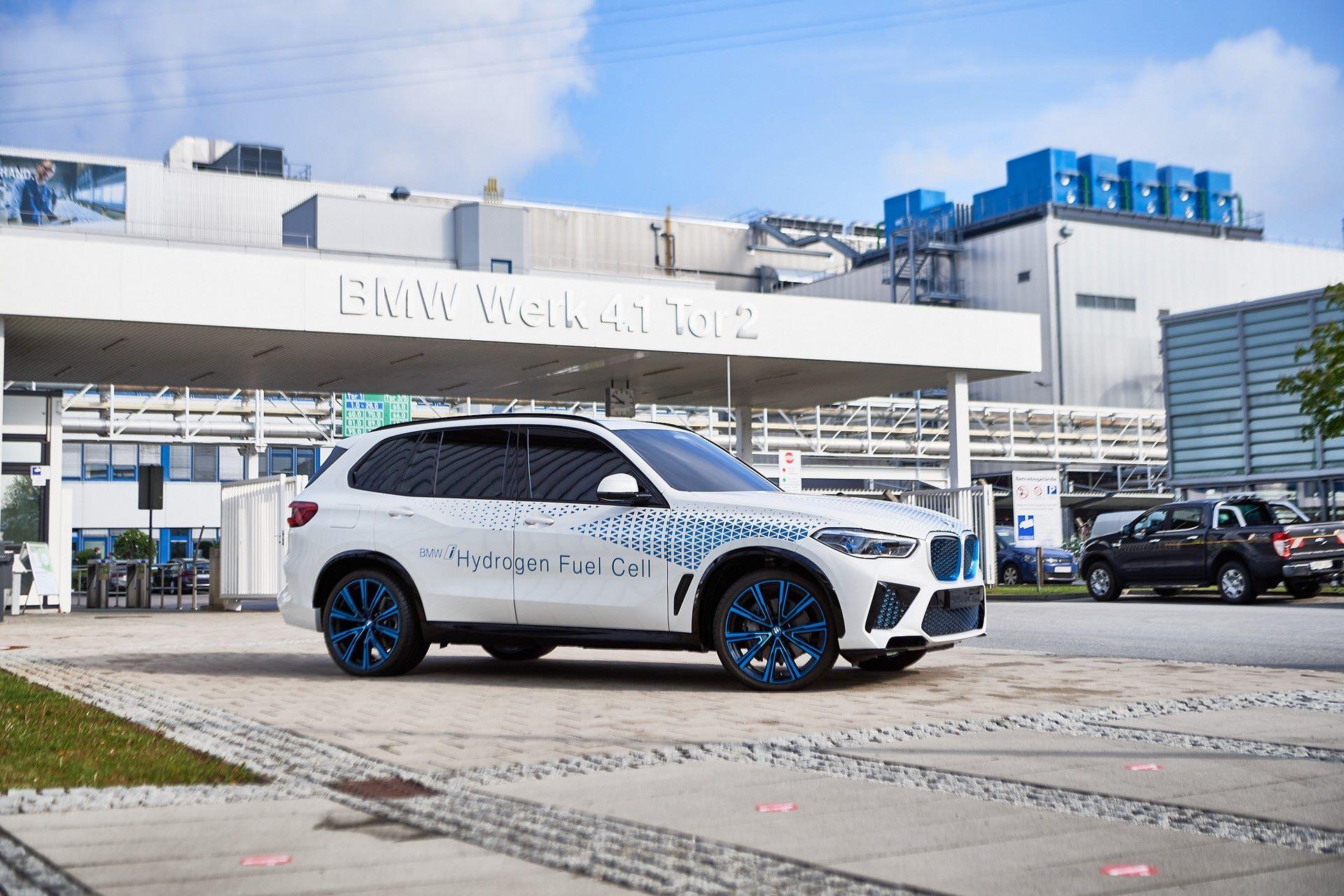 BMW-i-Next-Hydrogen-Concept-13