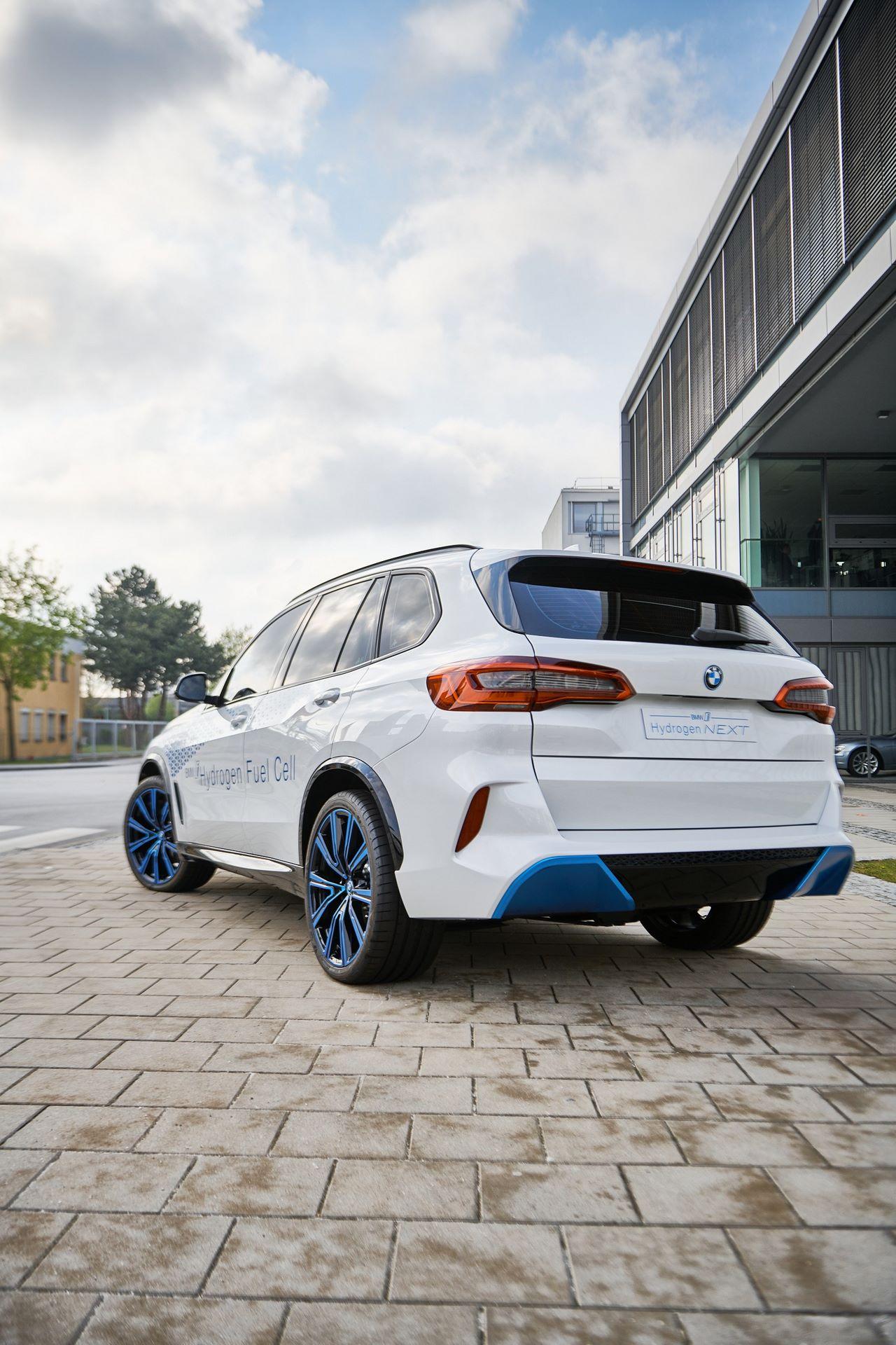 BMW-i-Next-Hydrogen-Concept-14
