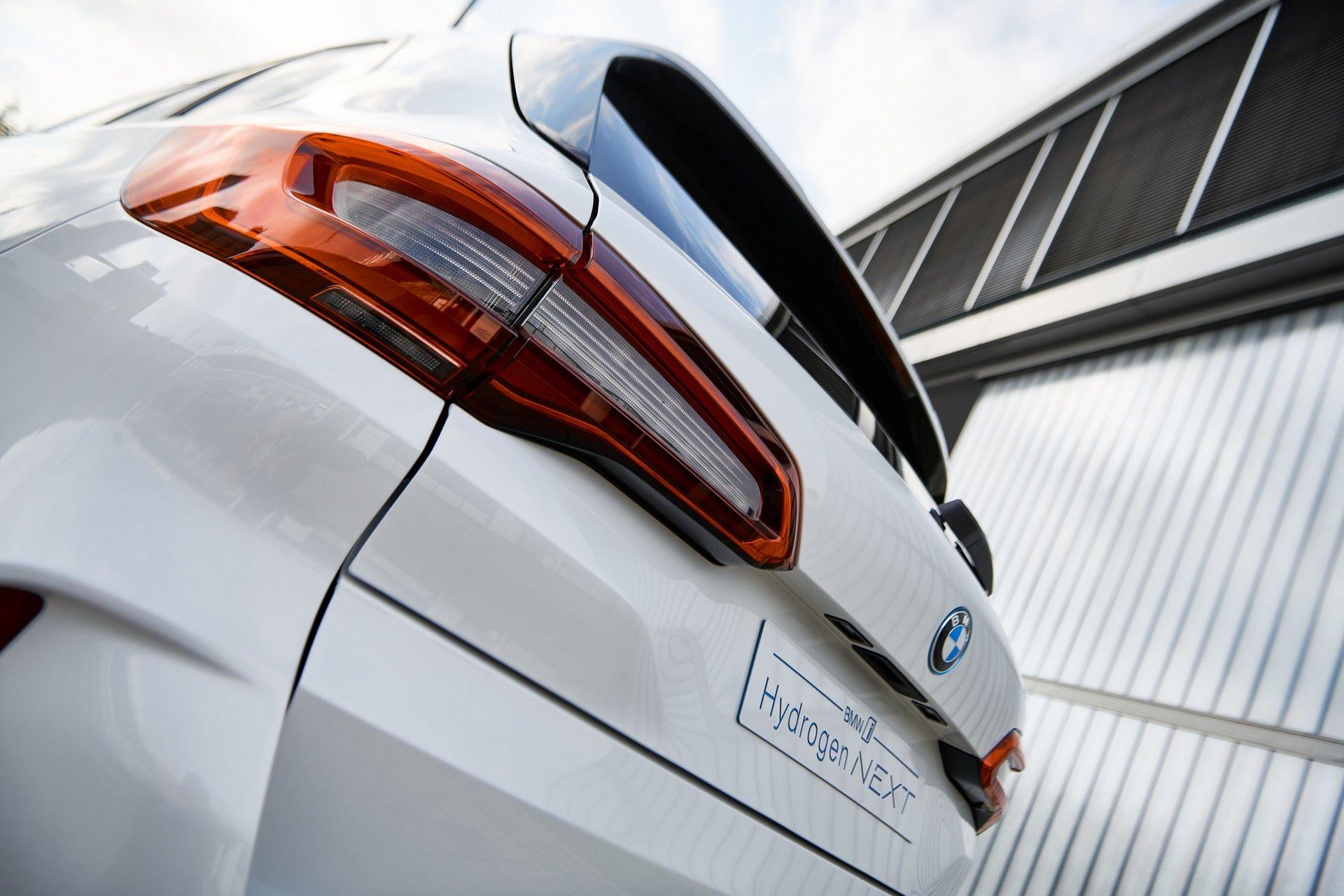 BMW-i-Next-Hydrogen-Concept-15