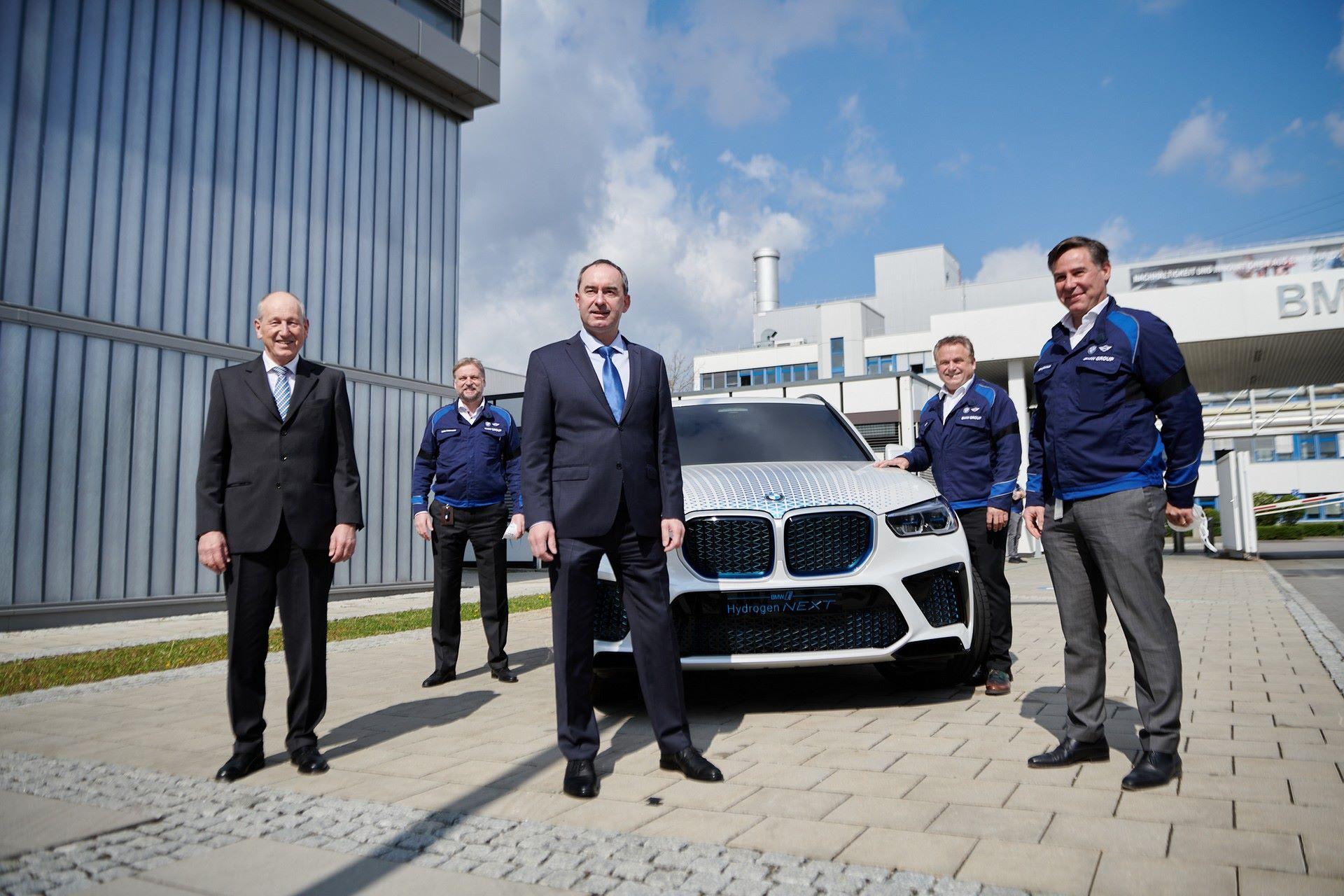 BMW-i-Next-Hydrogen-Concept-19