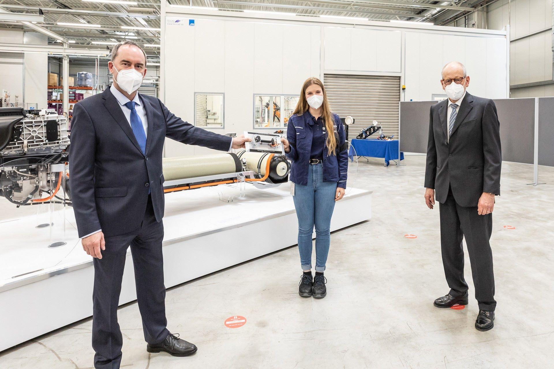 BMW-i-Next-Hydrogen-Concept-26
