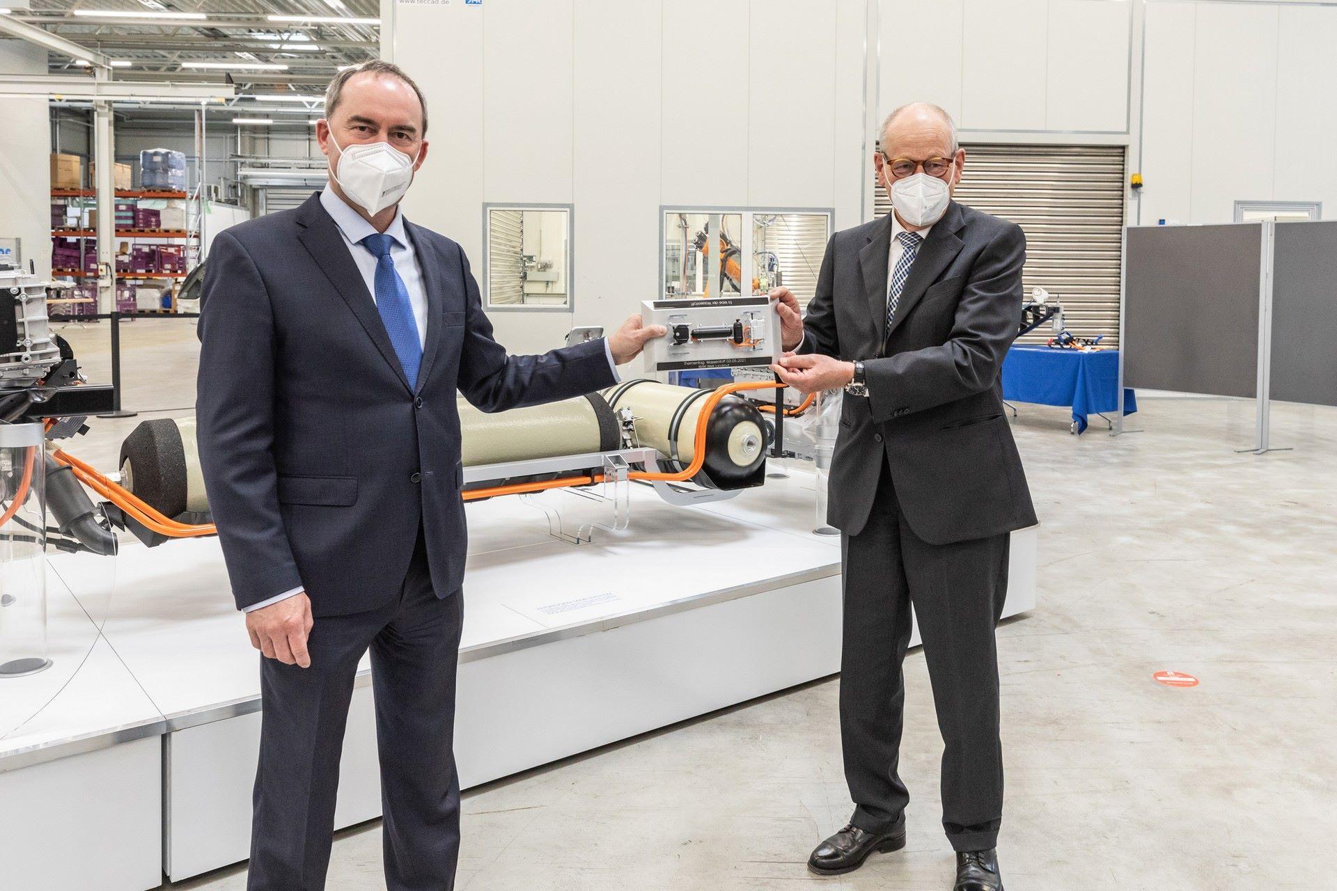 BMW-i-Next-Hydrogen-Concept-27
