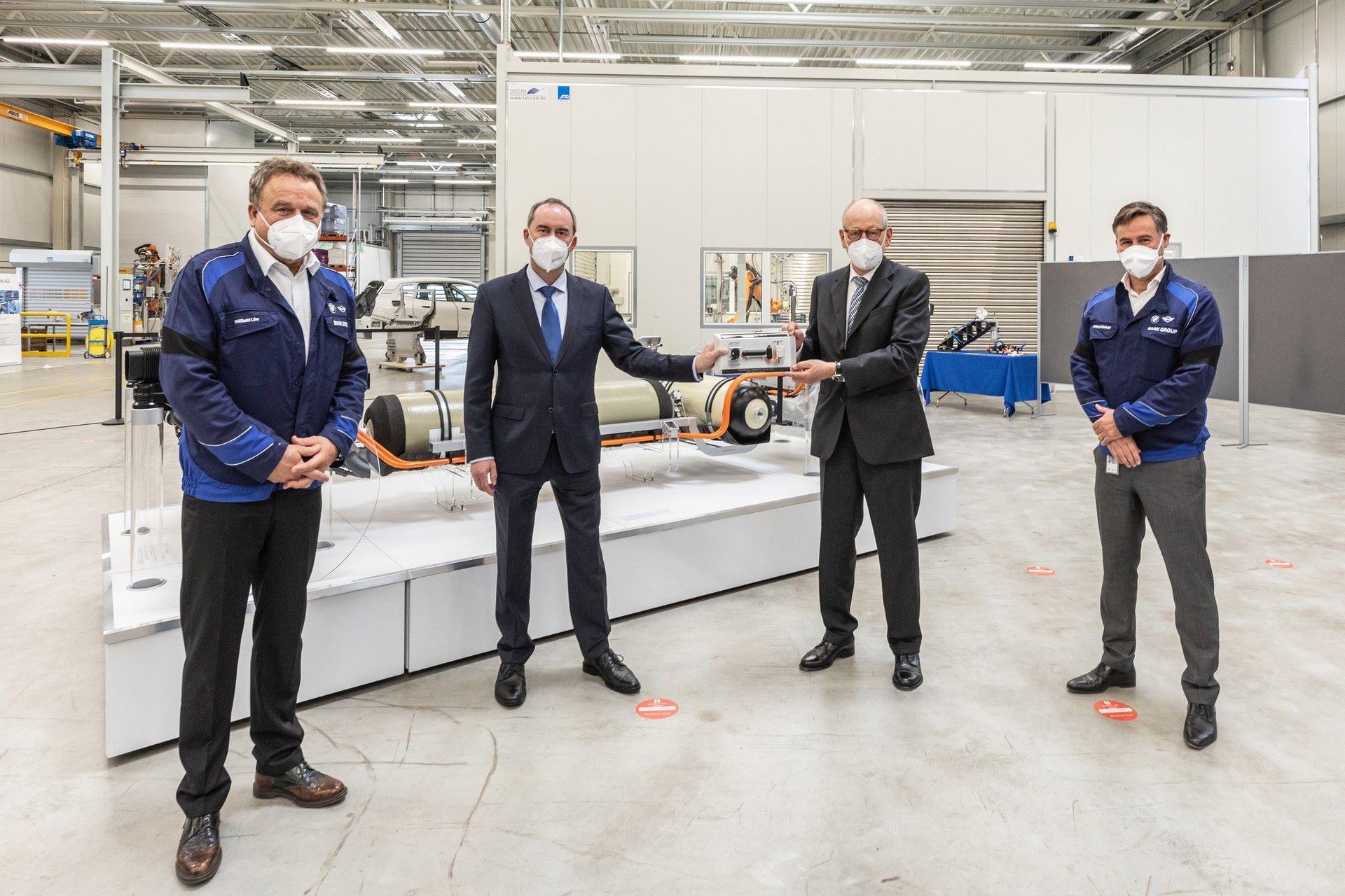 BMW-i-Next-Hydrogen-Concept-28